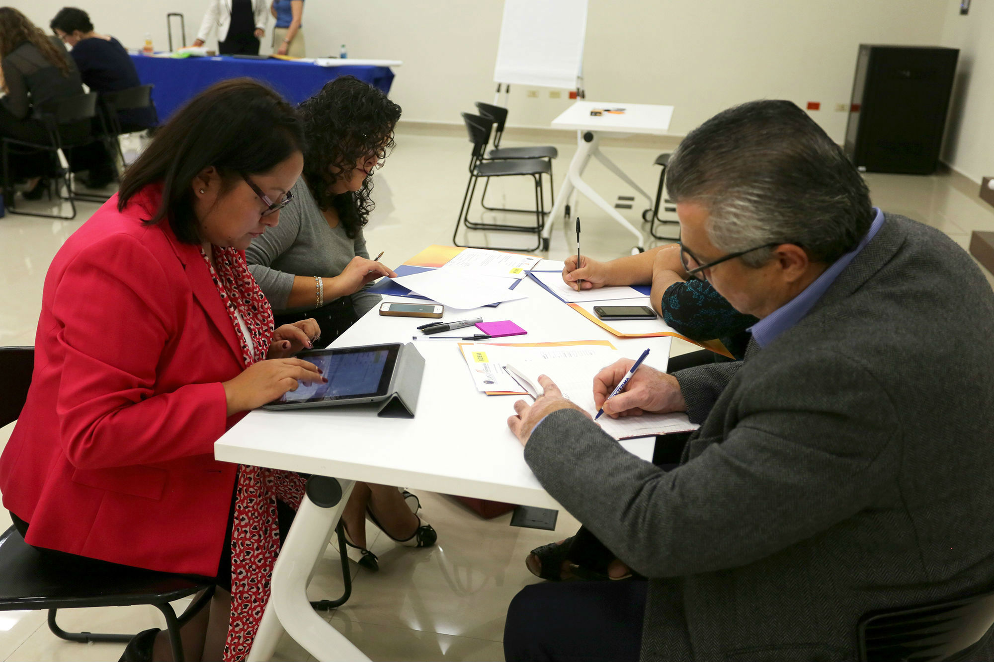 Al taller asistieron trabajadores de la UANL, UdeM y Tec de Monterrey
