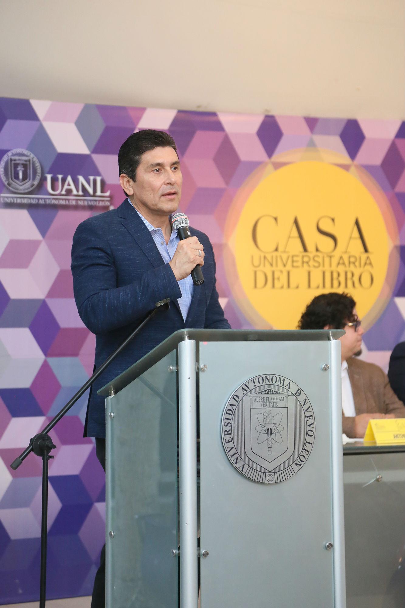 César Lozano dio un mensaje