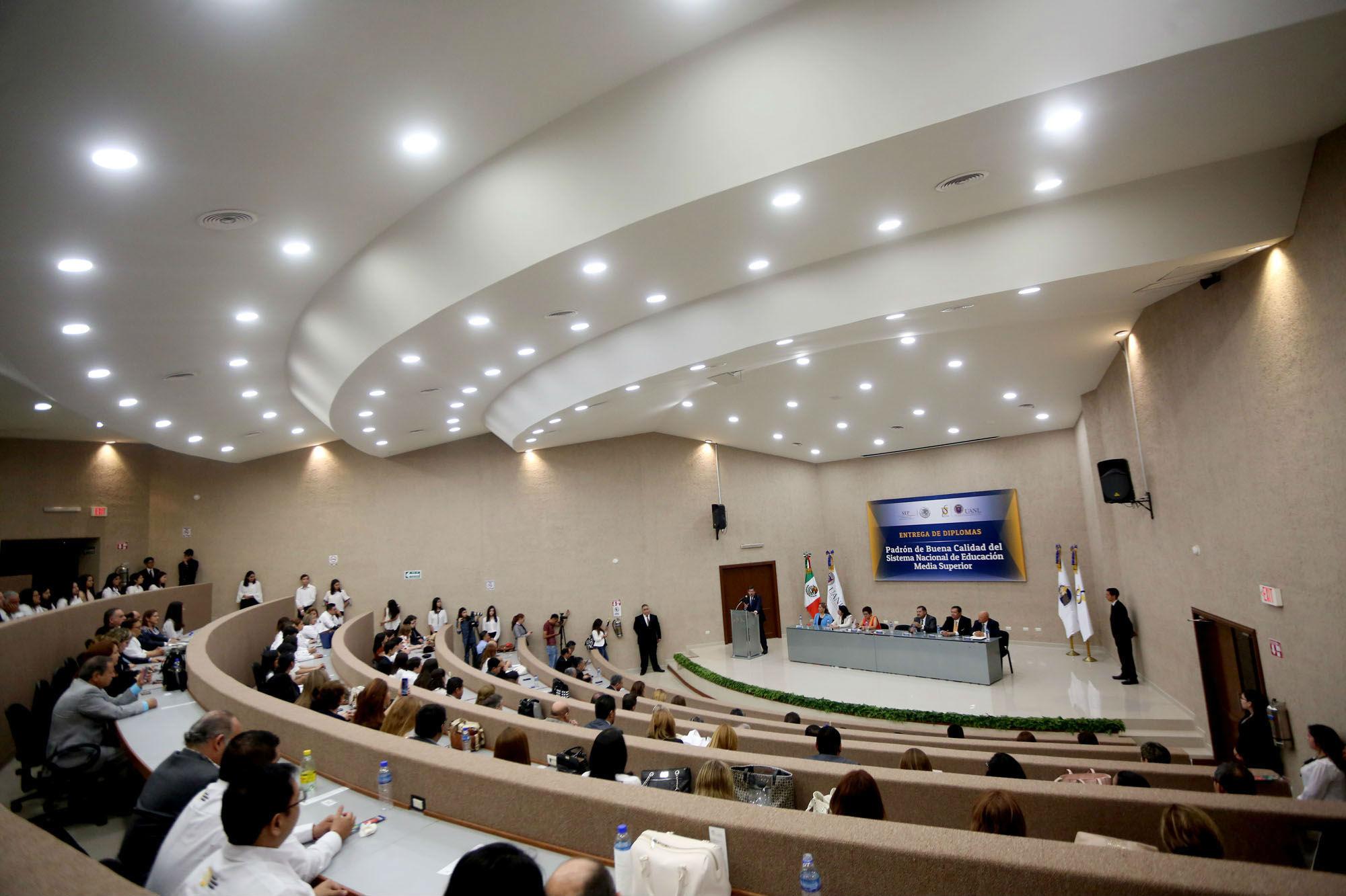 Ceremonia de entrega de reconocimientos del Padrón de Buena Calidad de la SEP