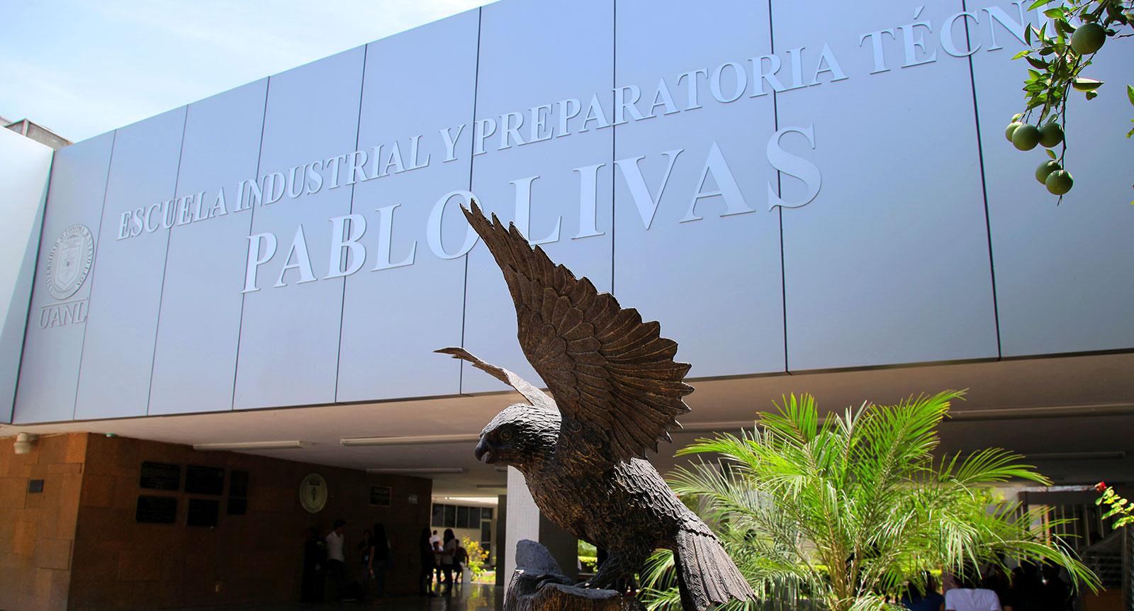 """Escuela Industrial y Preparatoria Técnica """"Pablo Livas"""" Centro"""