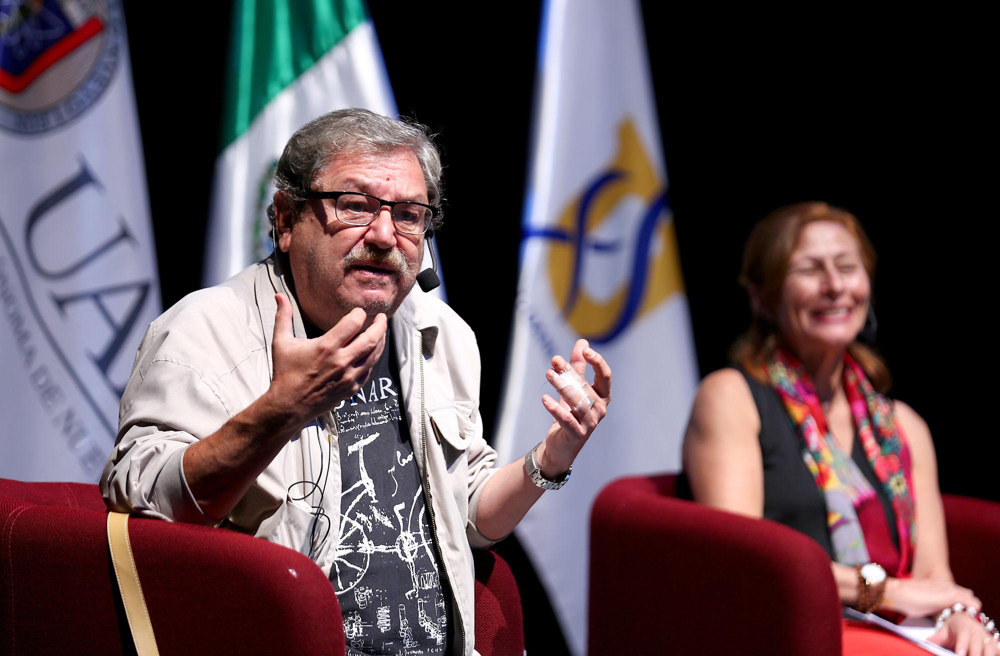 Dialogan en UANL sobre la Cuarta Transformación de México
