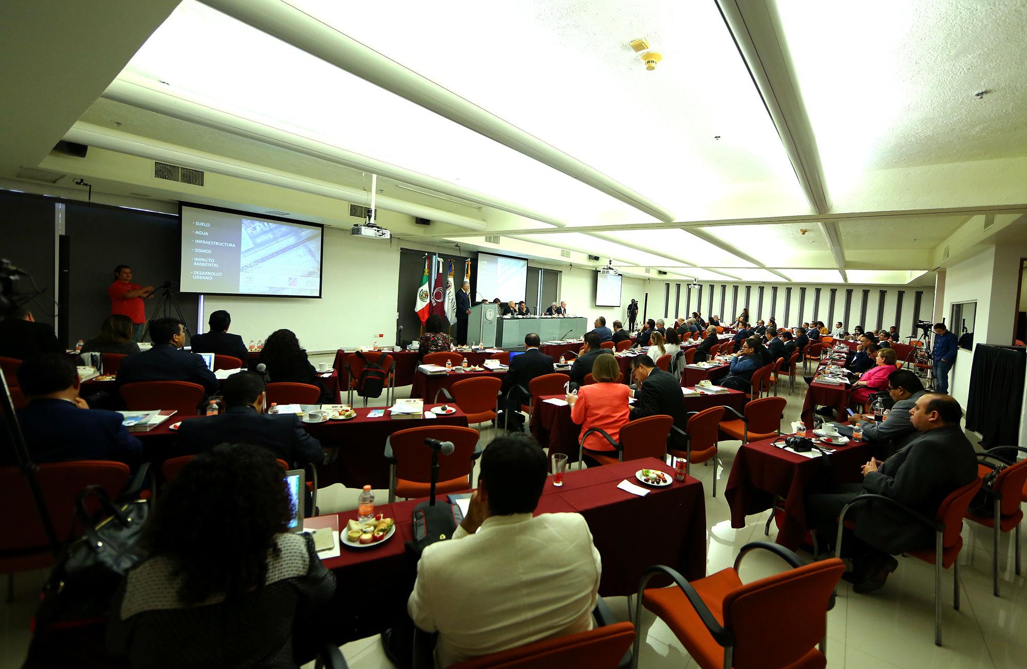 La reunión se llevó a cabo en la Biblioteca Universitaria Raúl Rangel Frías