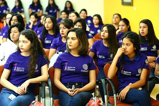 Alumnas de la UANL se involucran en ciencia y tecnología