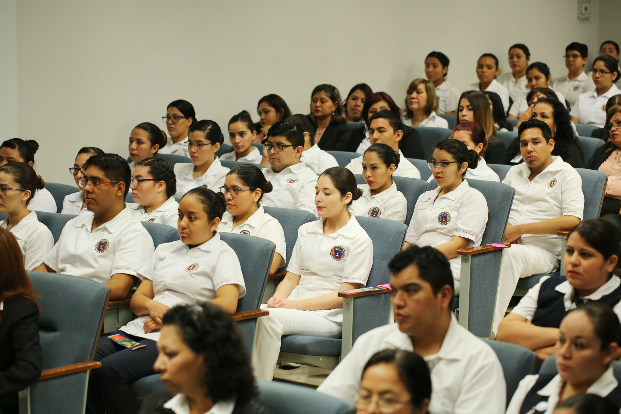Estudiantes de enfermería de dieron cita para atestiguar el evento