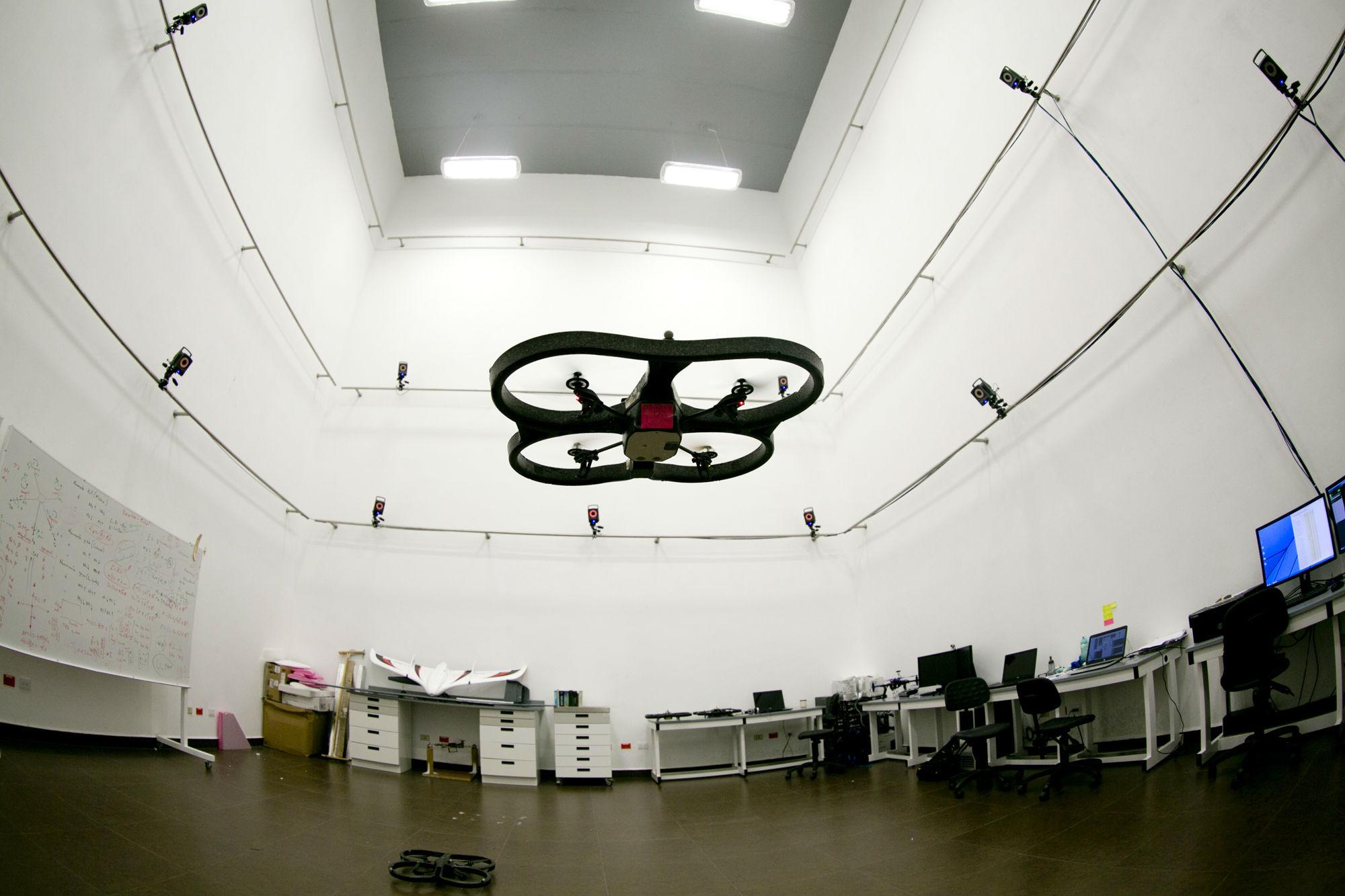 Los centros de investigación de la UANL son clave en la generación de patemtes