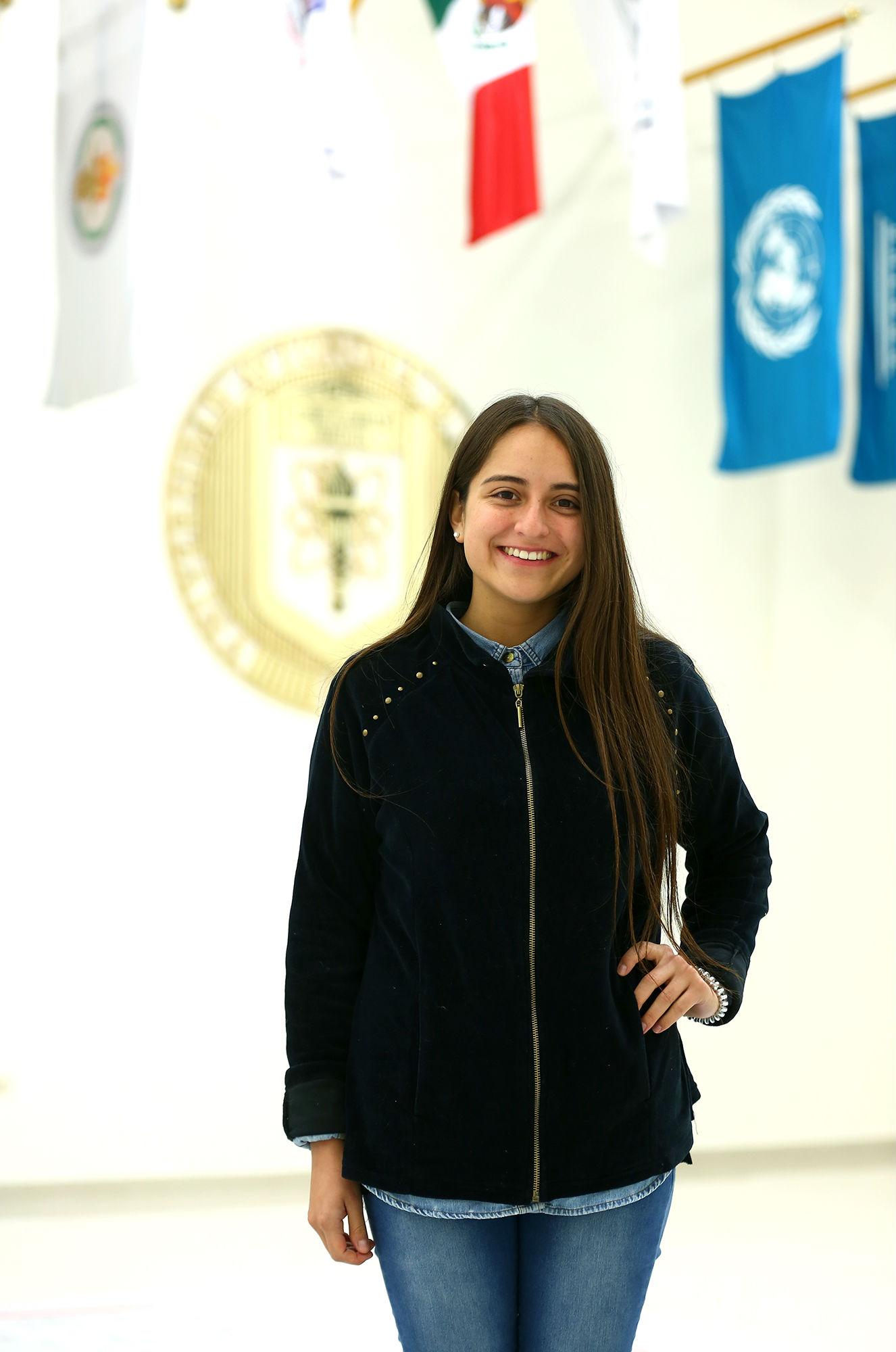 Constanza Galaz, de Chile, estudiará en la Facultad de Artes Visuales