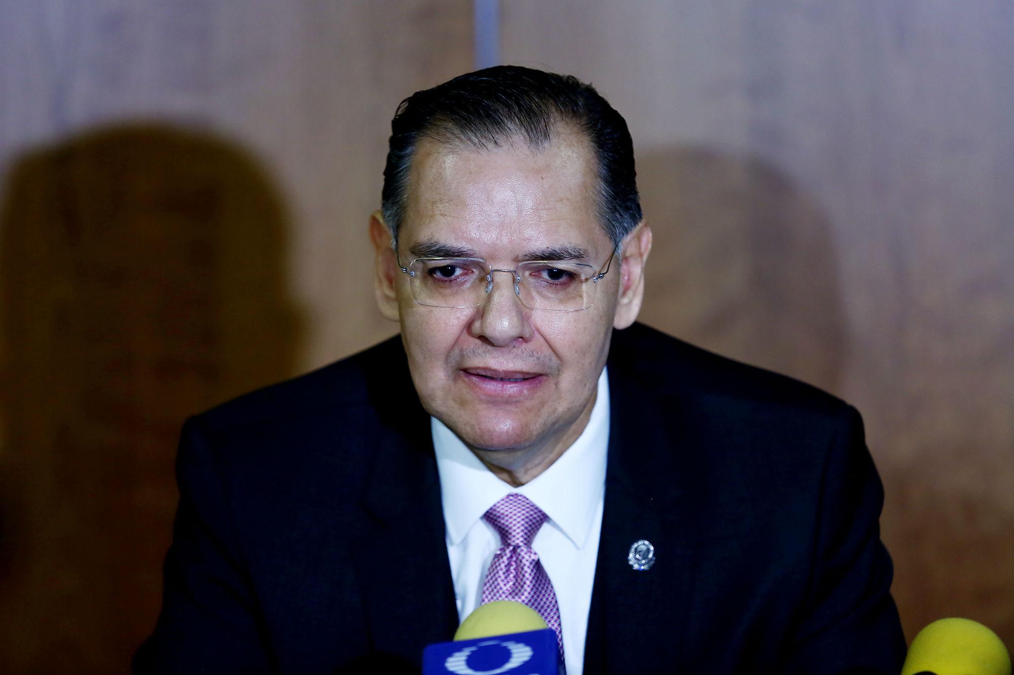"""Dionicio Galarza Delgado, Jefe del Servicio de Reumatología del Hospital Universitario """"Dr. José Eleuterio González"""""""
