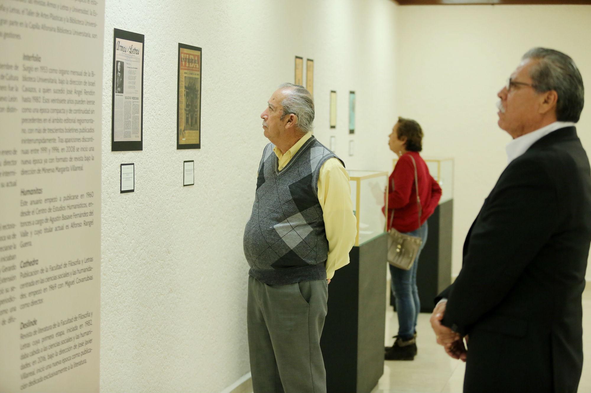 Asistentes a la exhibición