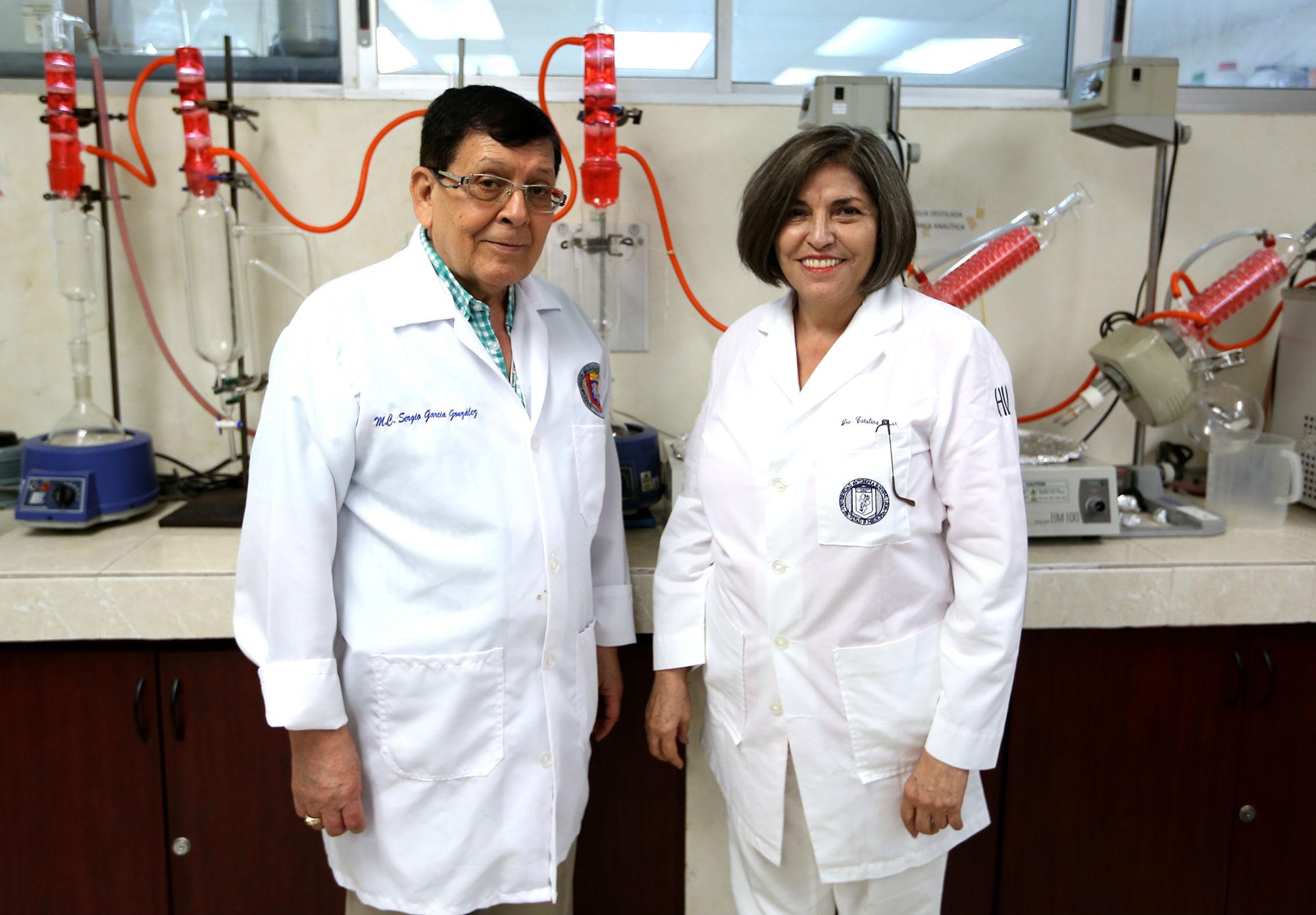 Dr. Sergio García González y Dra. Catalina Rivas Morales