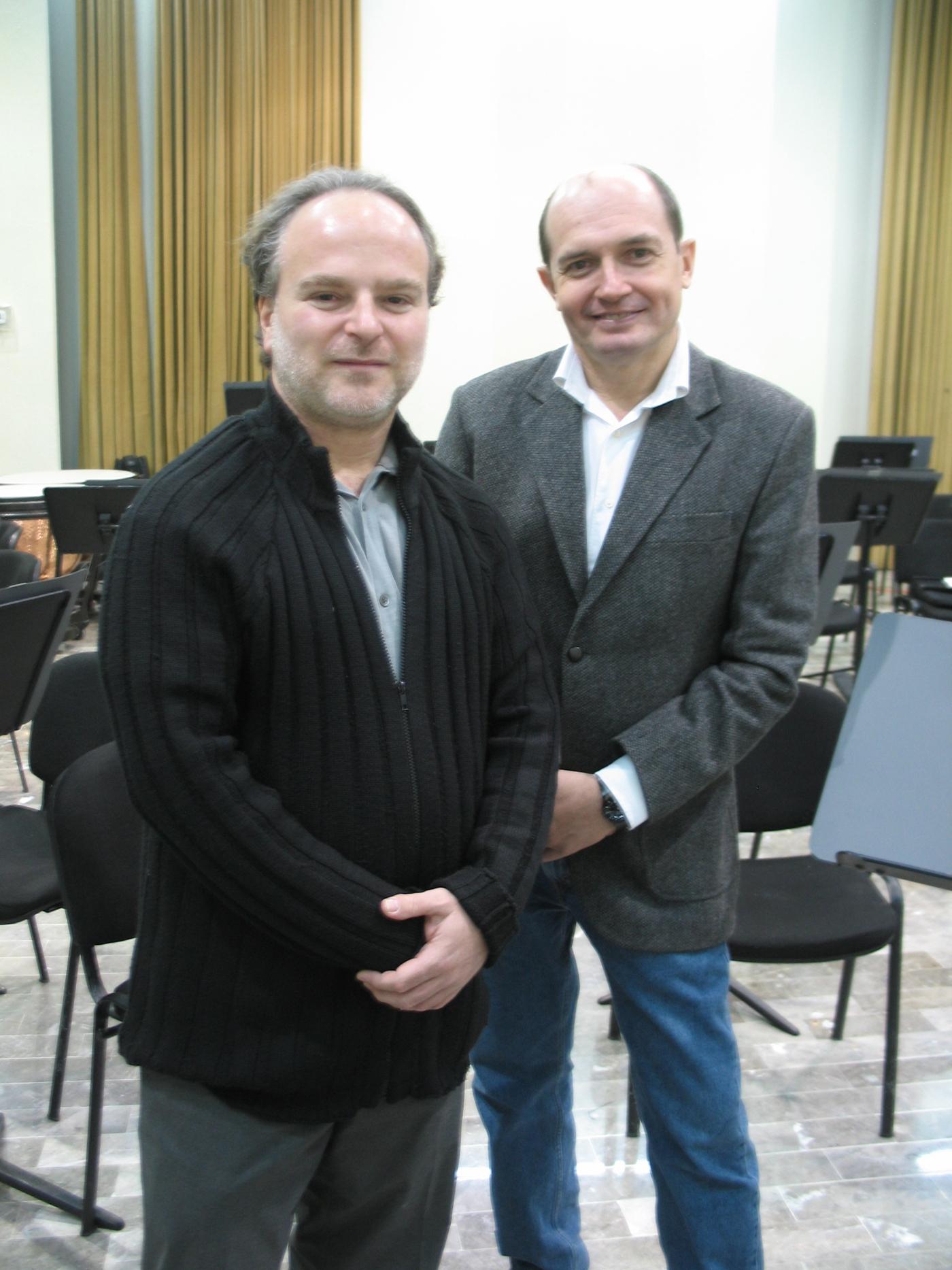El Chelista Zvi Plesser y el Director artístico de la OSUANL, Jesús Medina