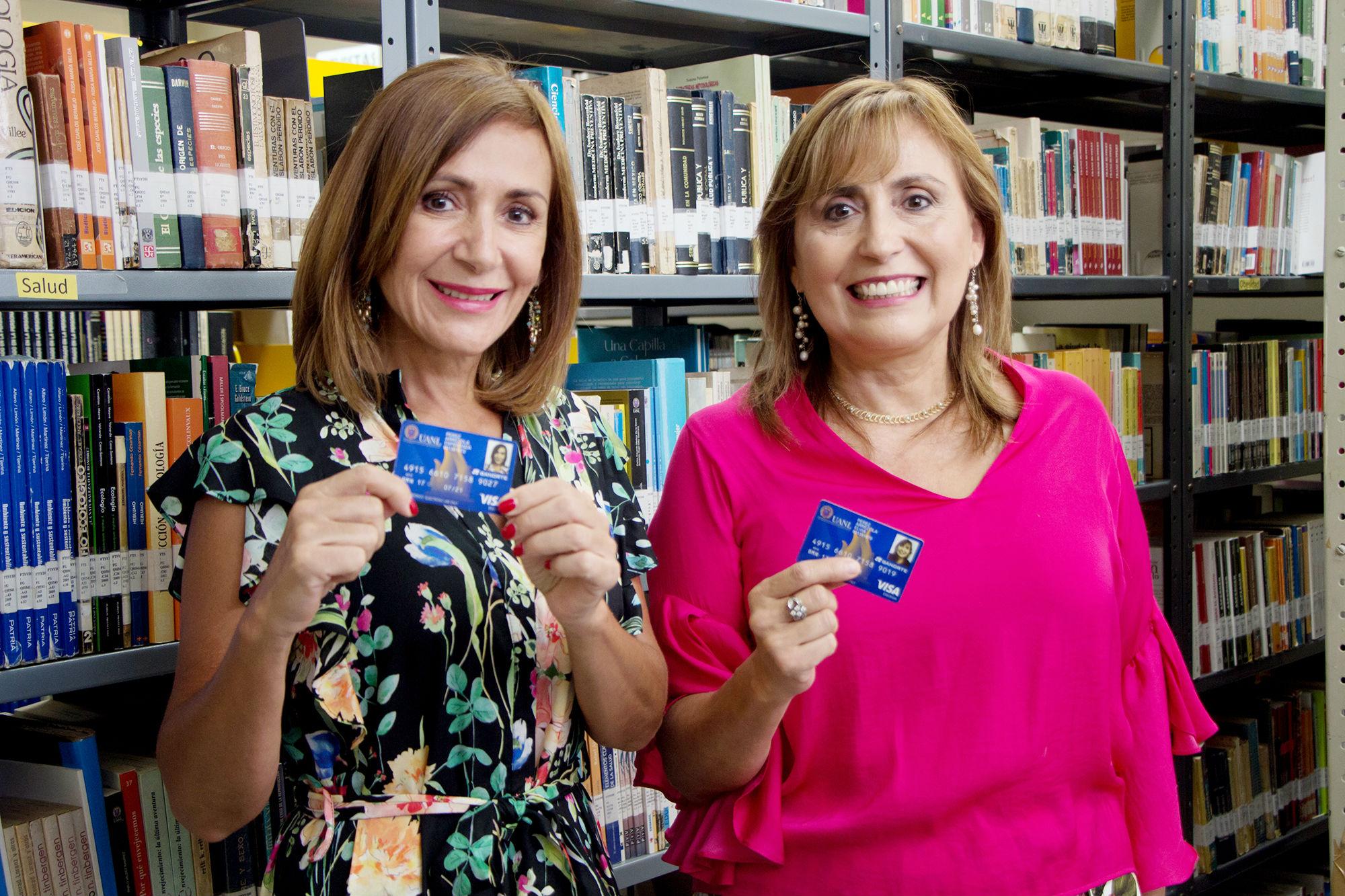 Las hermanas Georgina y Elvia Pérez Arrezola