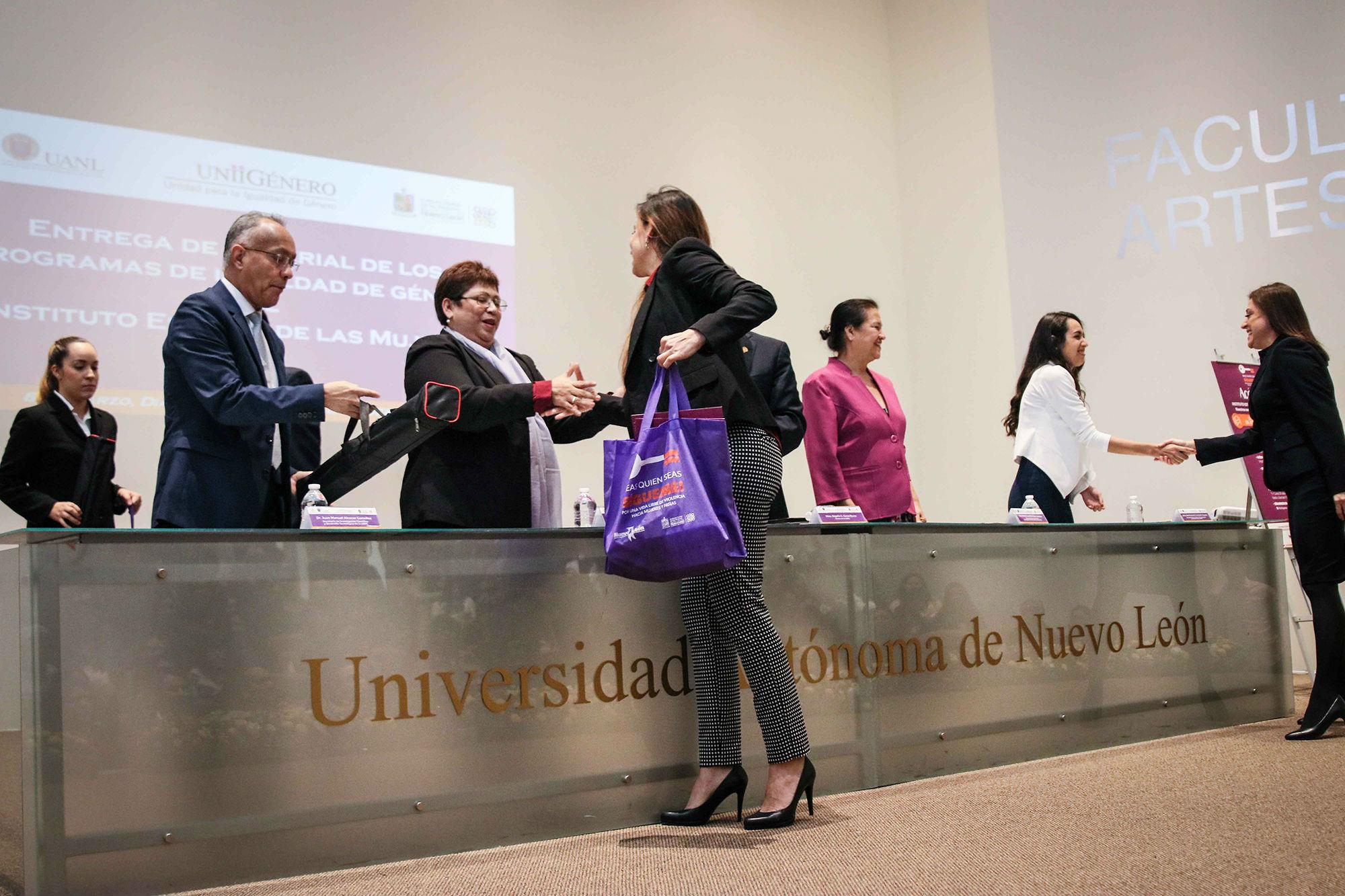 Janeth Villarreal Arizpe, Directora de la Facultad de Artes Escénicas