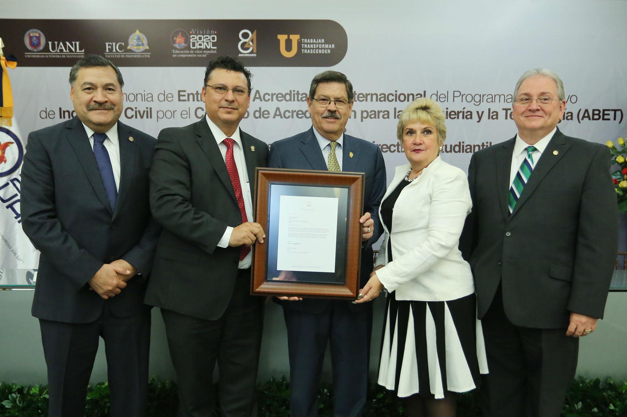 La acreditación reconoce la calidad y pertinencia del programa educativo en Ingeniería Civil