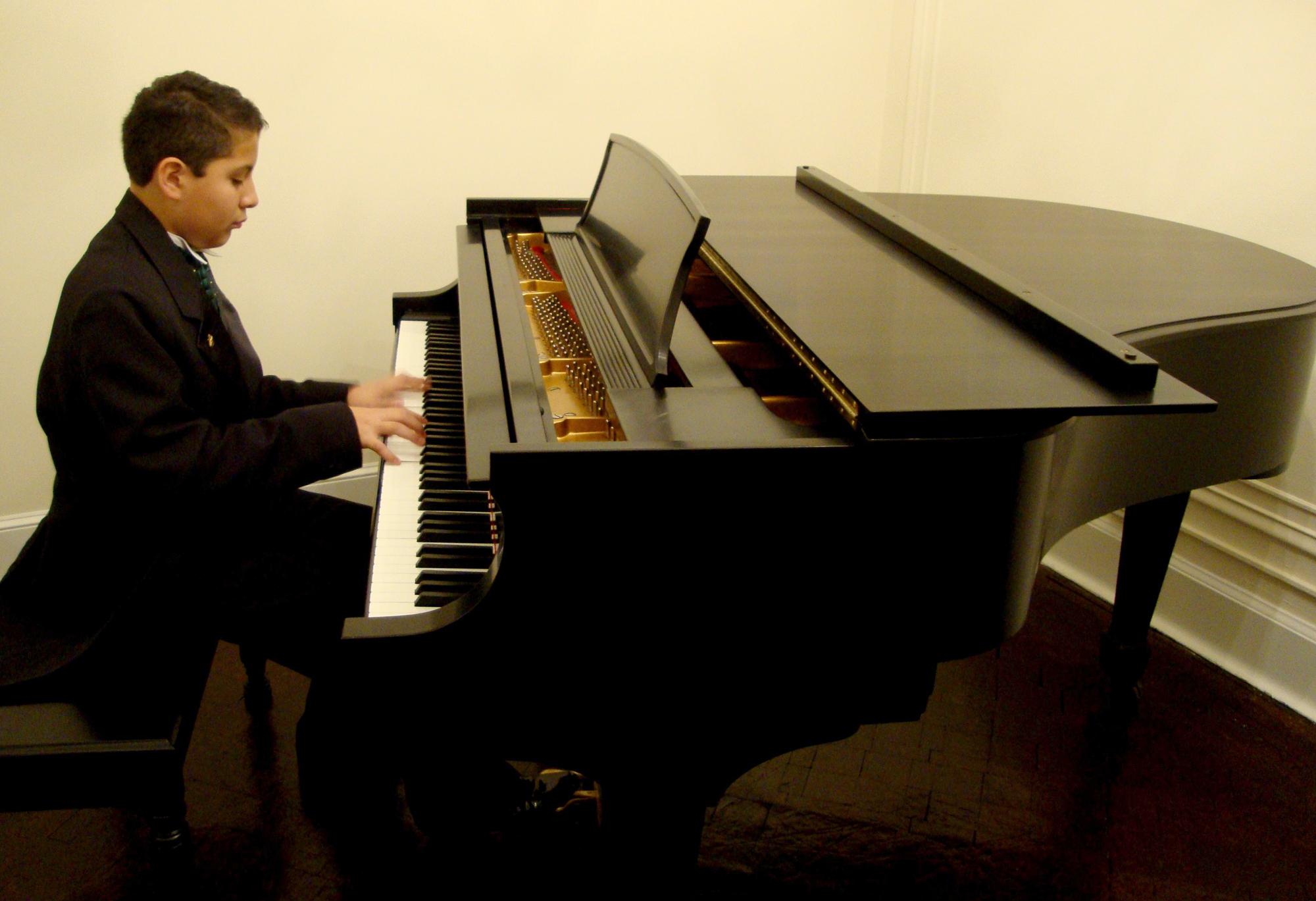 Jorge Ian Mata Gómez, pianista
