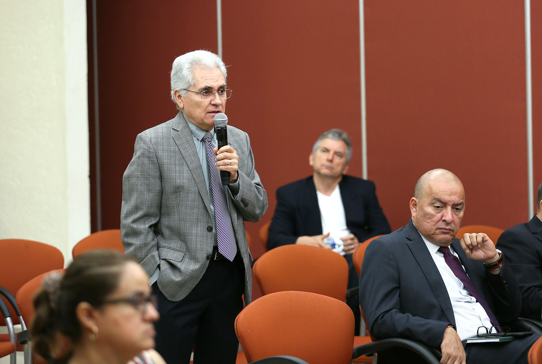 Mario César Salinas dijo que los recortes al presupuesto ponen en riesgo los posgrados a nivel nacional