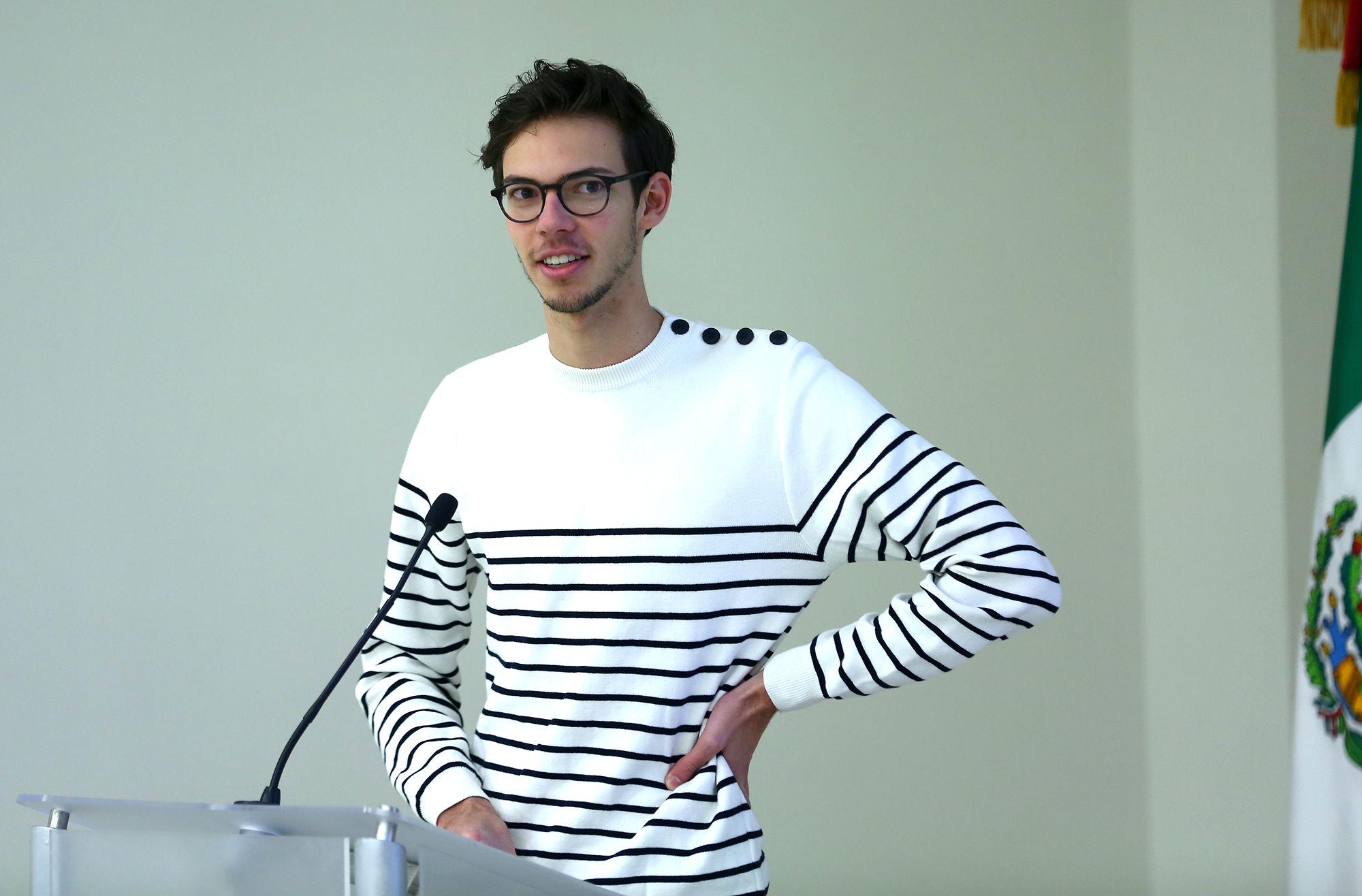 Martin Germain, de Francia, cursa doble titulación en la Facultad de Ingeniería Mecánica y Eléctrica