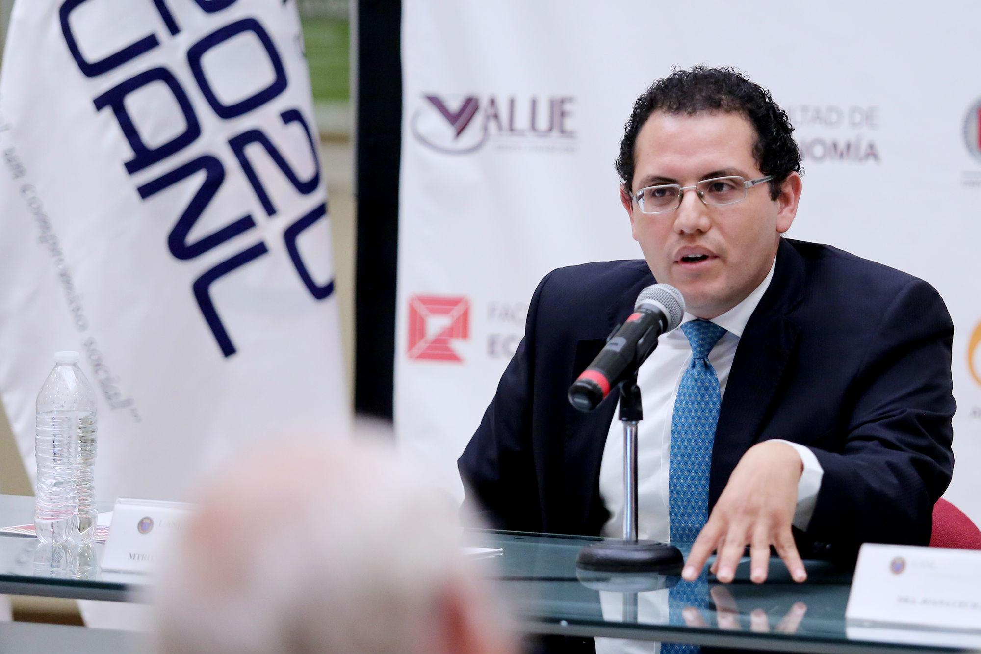 José Raymundo Galán González, Director de la Facultad de Economía