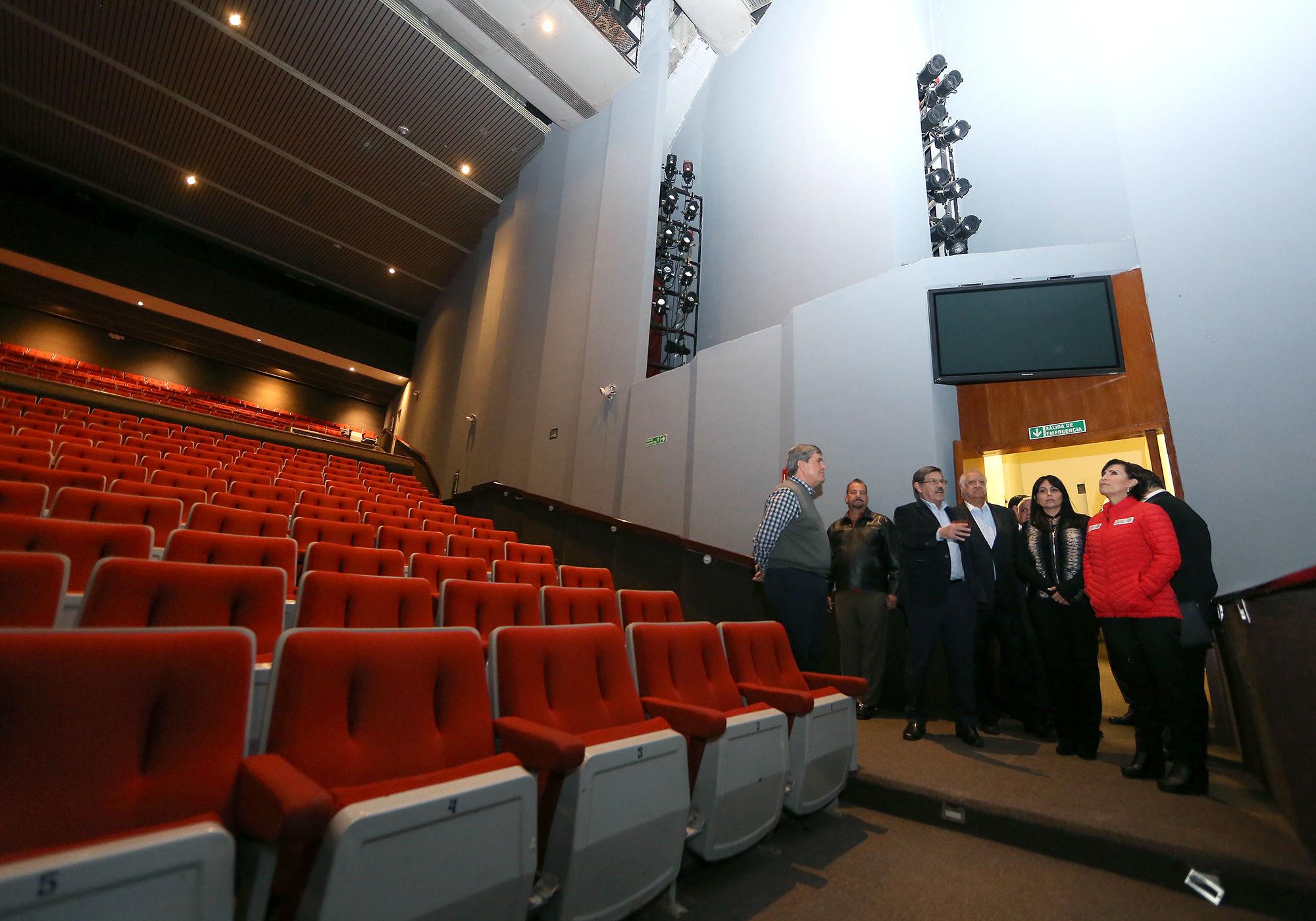 La Secretaria federal recorrió las instalaciones del Teatro Universitario