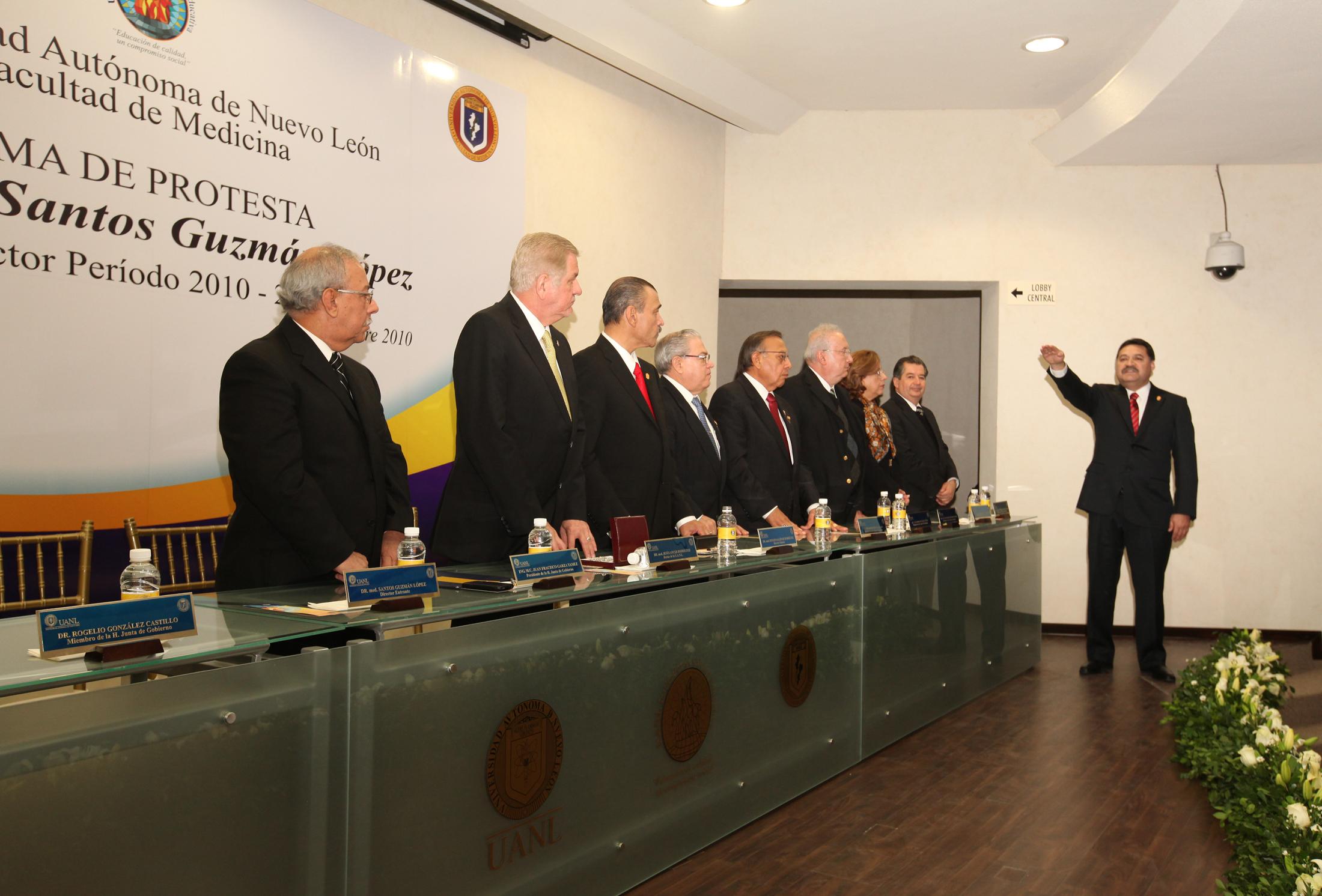 Toma de protesta de Santos Guzmán López como Director de la Facultad de Medicina y Hospital Universitario