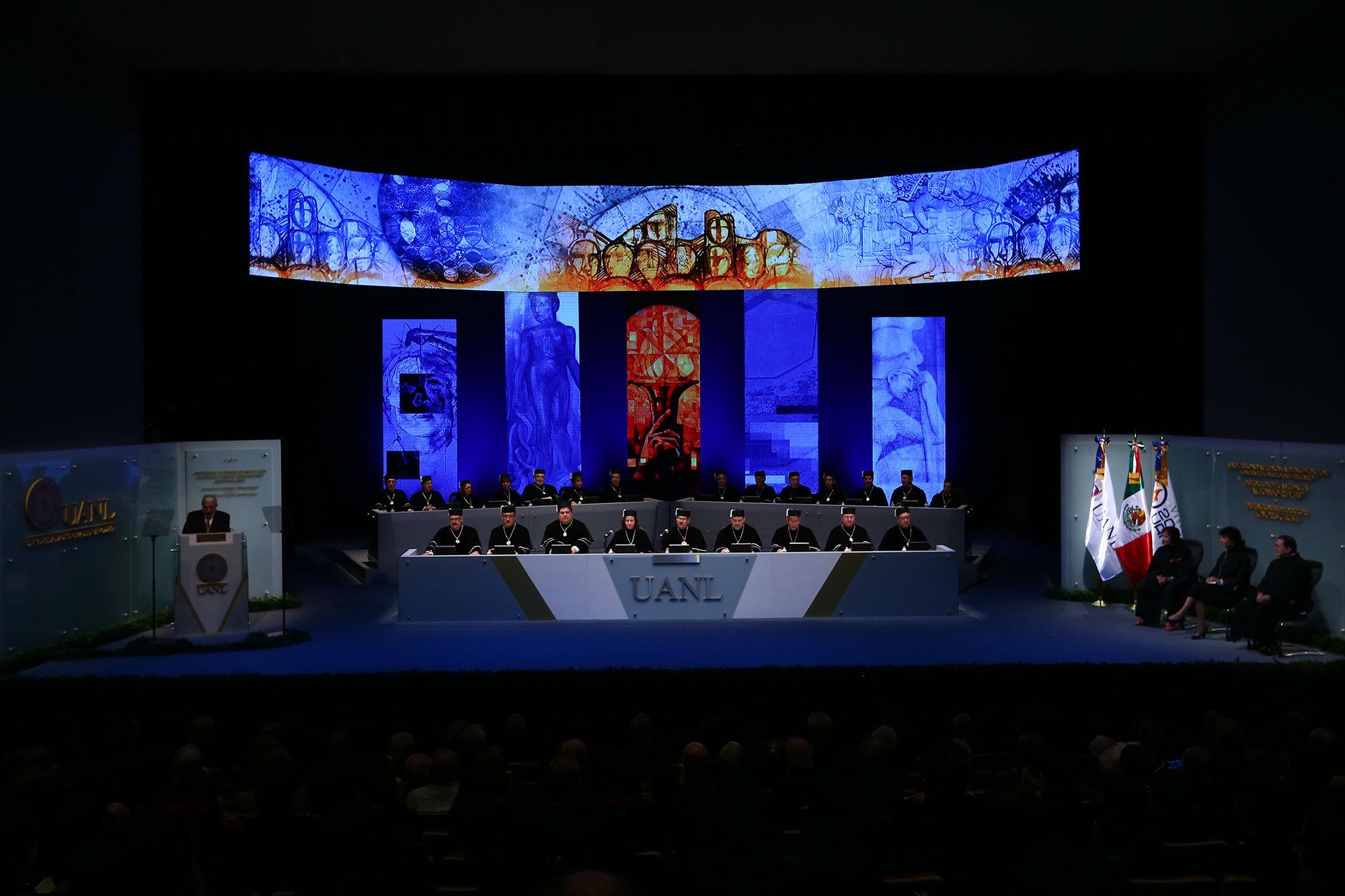 La Sesión Solemne se llevó a cabo en el Teatro Universitario