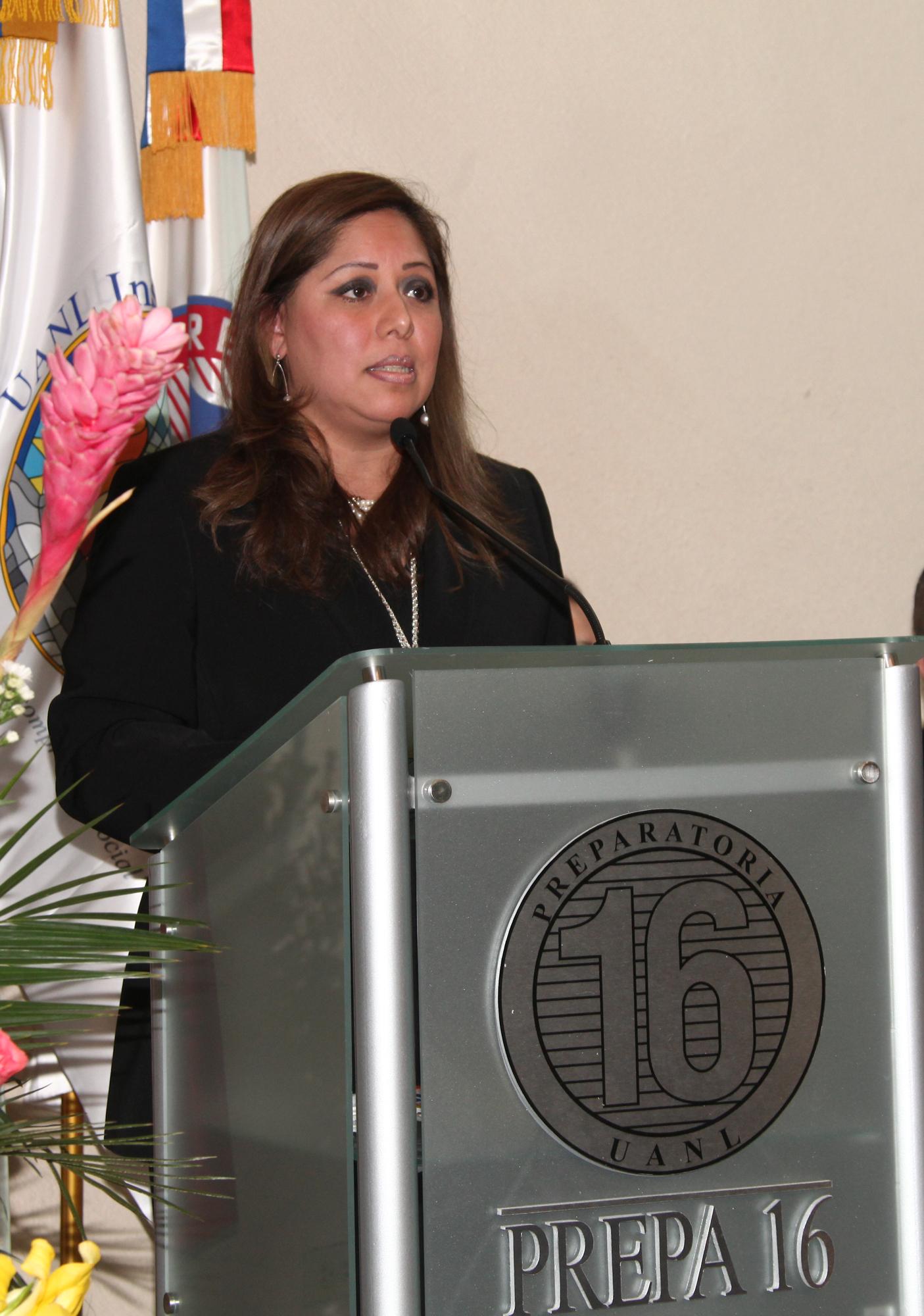 Sandra Elizabeth del Río, Directora de la Prepa 16