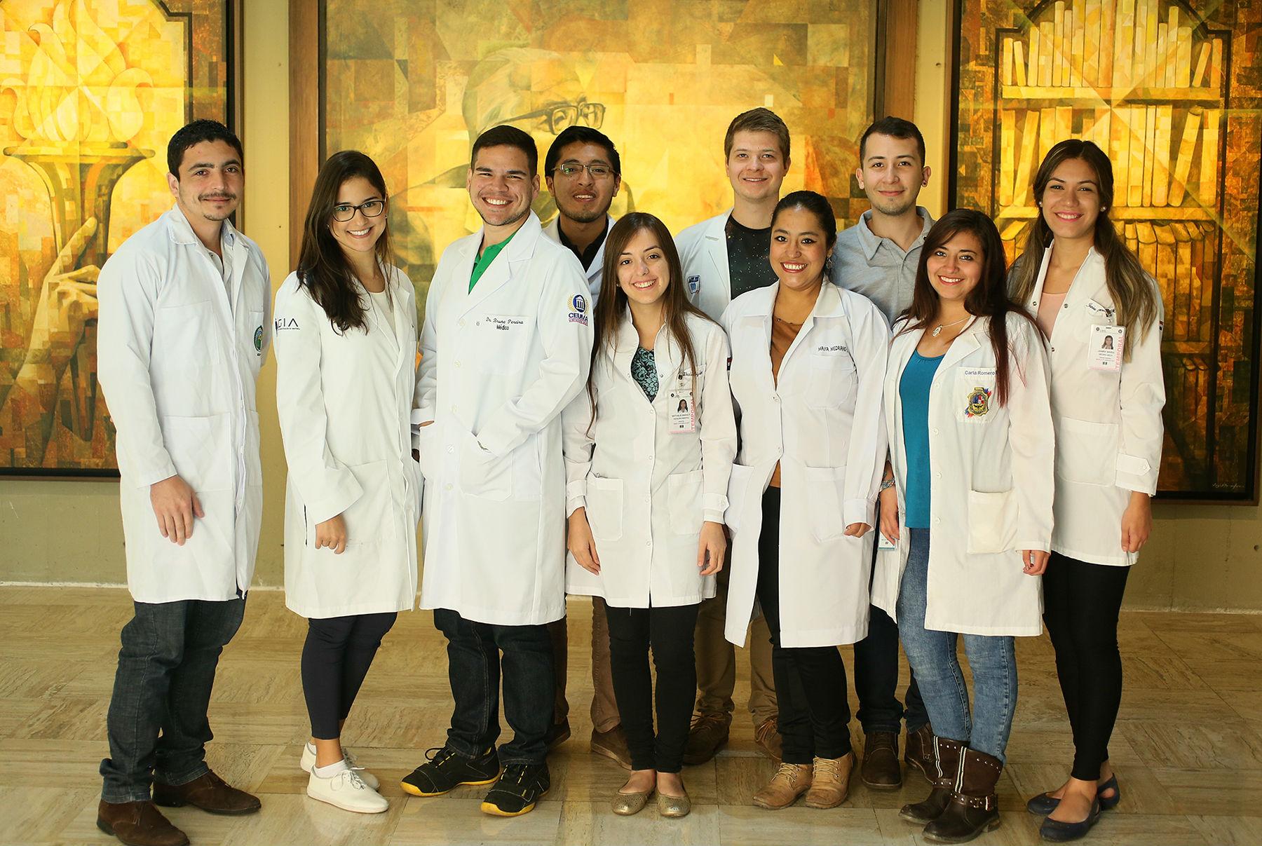 Estudiantes nacionales y extranjeros que harán estancia en la Facultad de Medicina