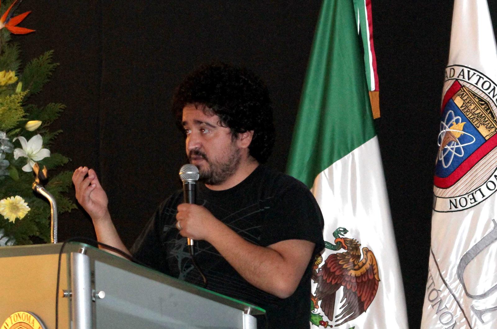 Ariel Rojo en su ponencia durante la Asamblea Nacional de la Asociación Mexicana de Instituciones y Escuelas de Diseño Industrial 2011