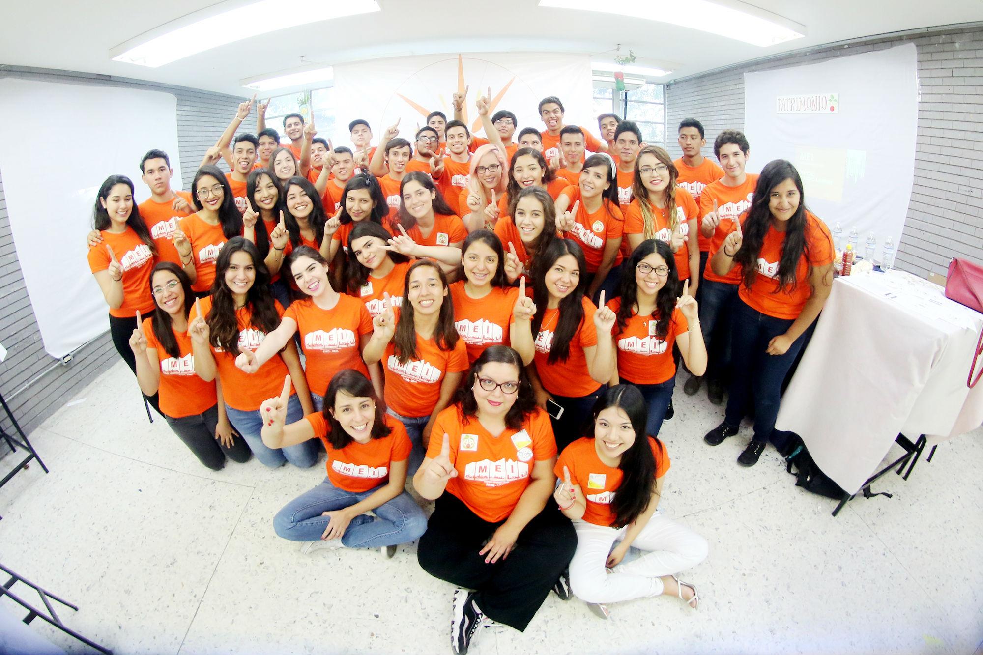Estudiantes que participan en el Movimiento Estudiantil Urbano Mesón Estrella 1