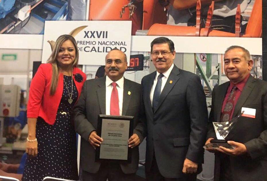 La EIAO recibió el Premio Nacional de Calidad en la Categoría de Educación Media Superior