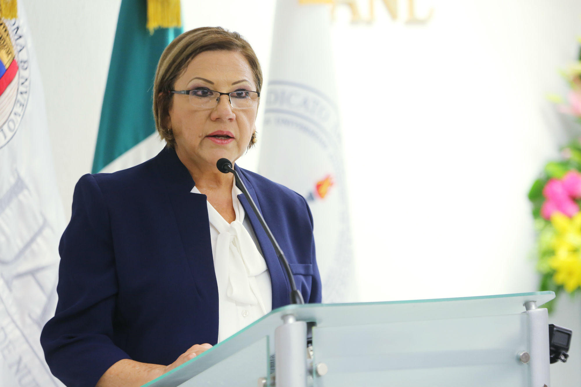 María de la Luz Tovar de la Cruz, Directora de la Preparatoria 8