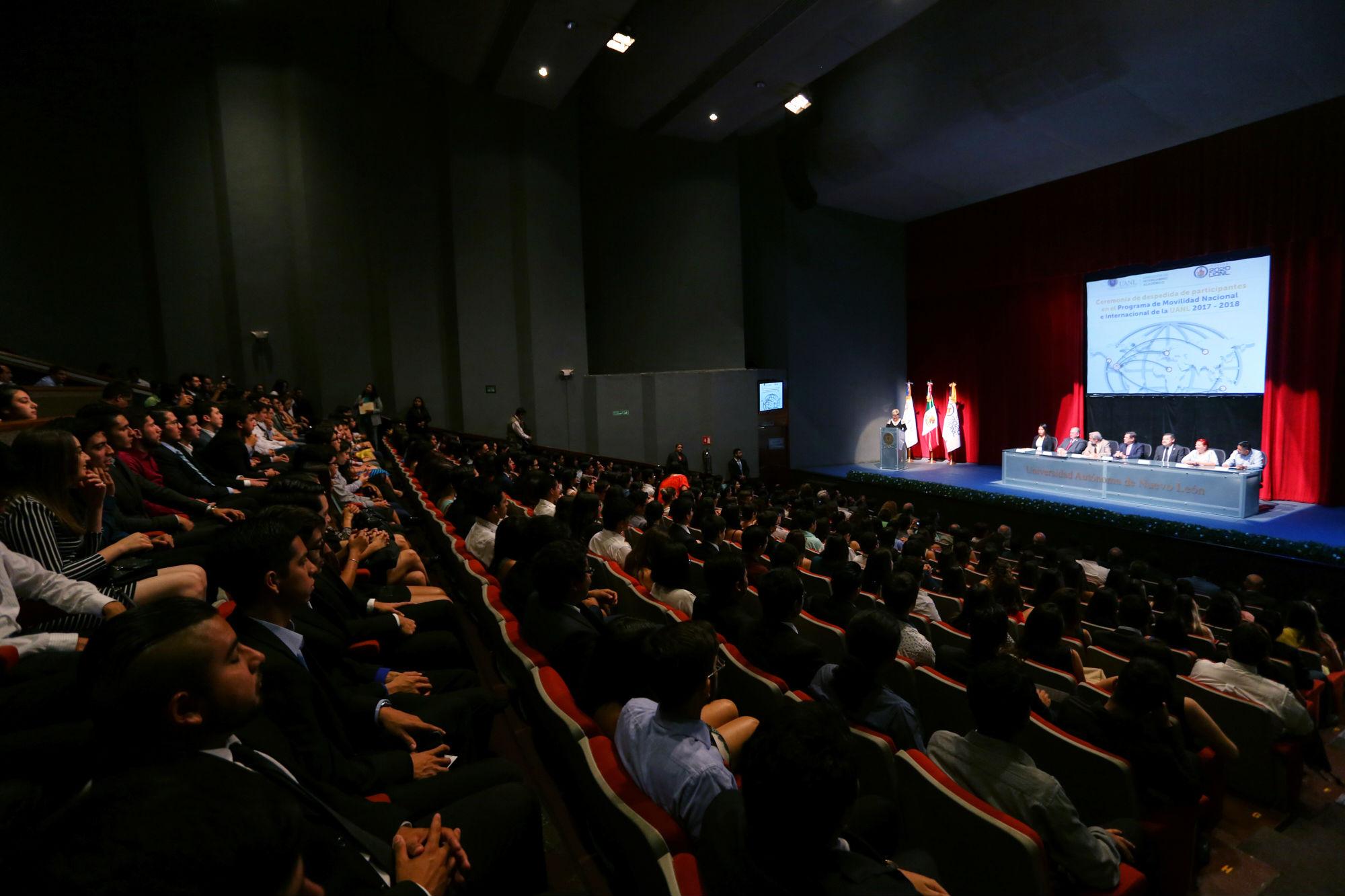 La ceremonia de despedida se llevó a cabo en el Teatro Universitario