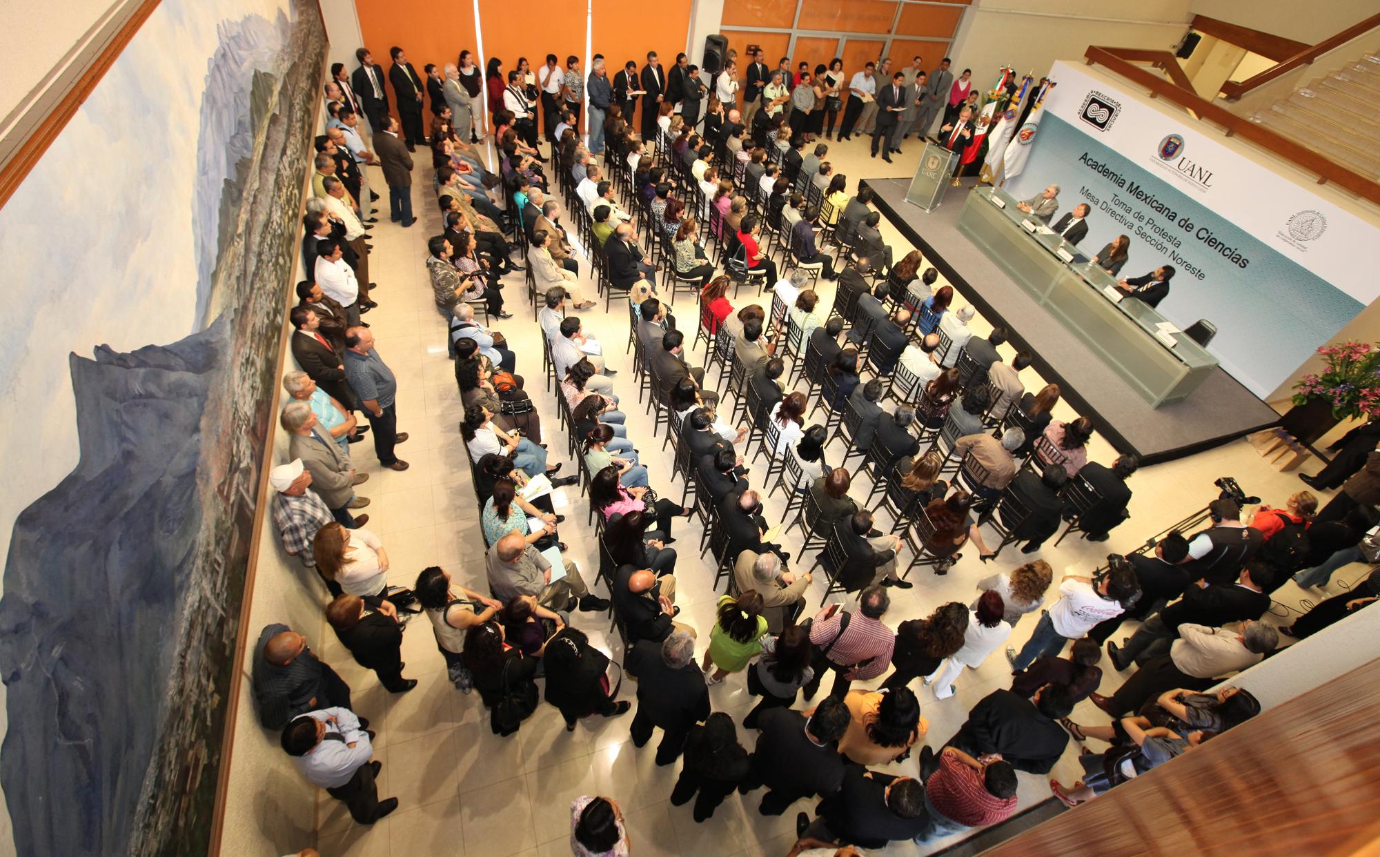 La ceremonia se llevó a cabo en el Vestíbulo de la Capilla Alfonsina