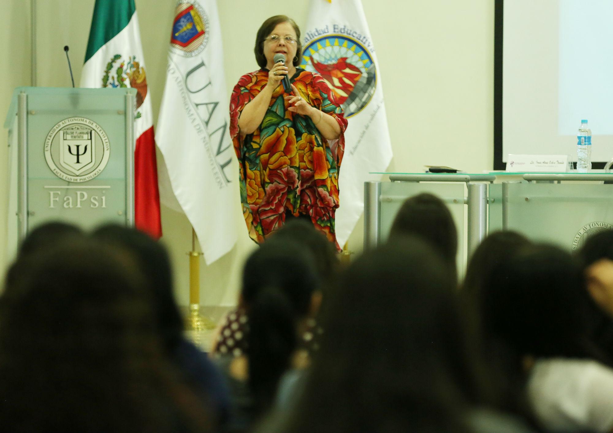 """""""Soy defensora de los derechos humanos y soy feminista"""", dijo antes de decir su nombre Irma Alma Ochoa Treviño"""