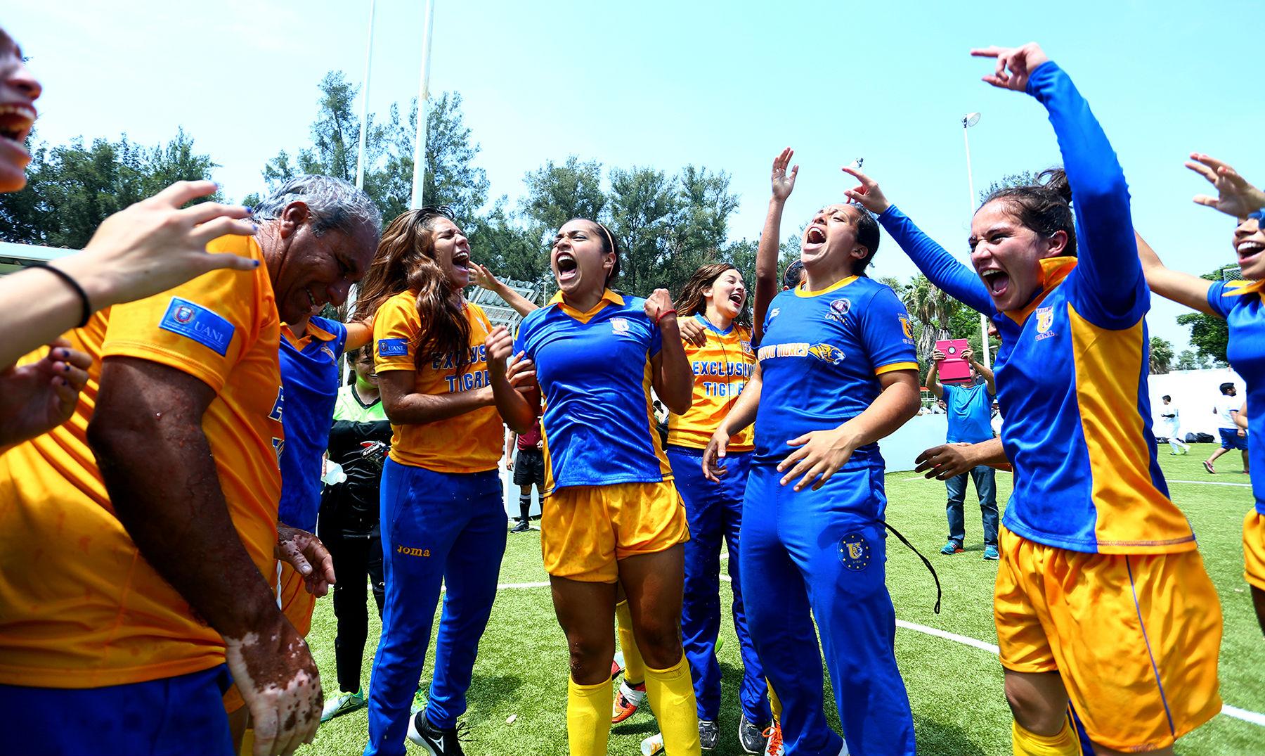 Oro histórico en fútbol rápido femenil