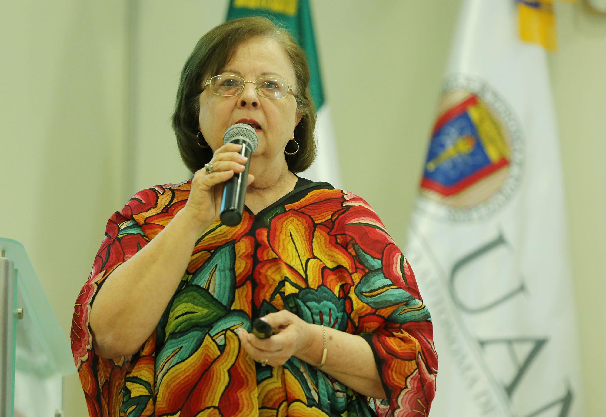 """Ochoa Treviño planteó que habría que analizar el discurso y el lenguaje cuando los medios utilizan frases como """"crimen pasional"""