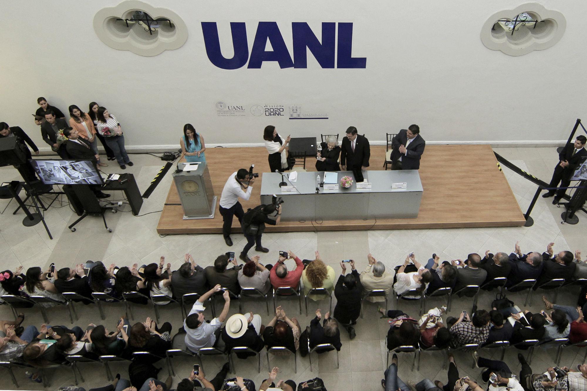 El Colegio Civil se vio abarrotado por los asistentes
