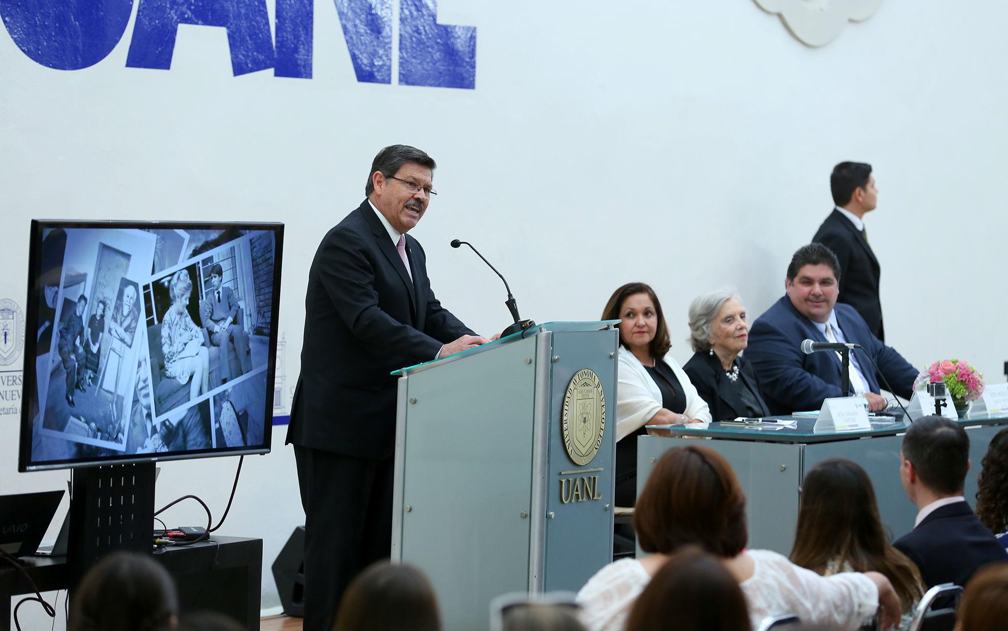 Mensaje del rector de la UANL, Rogelio G. Garza Rivera