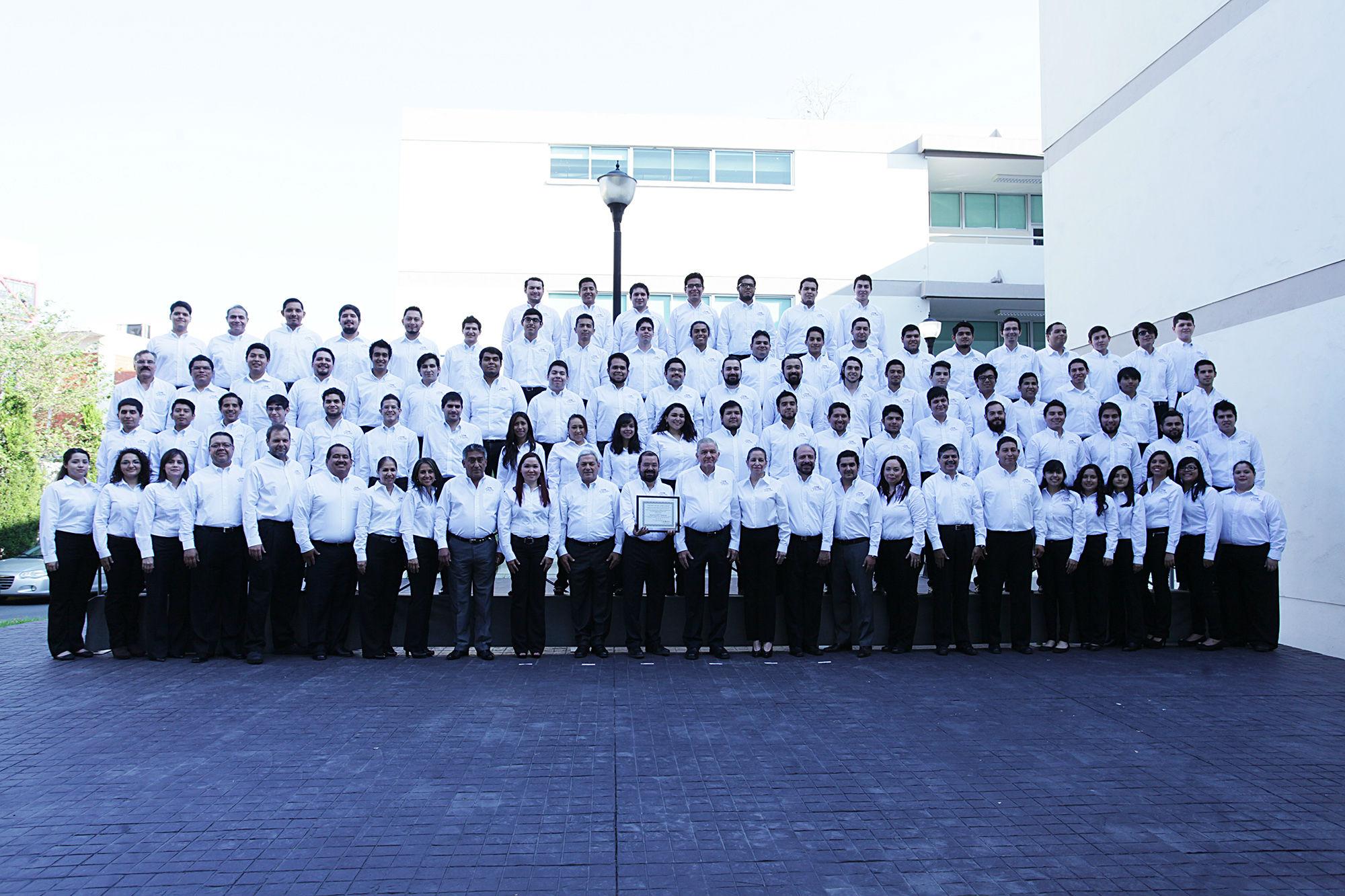 Fotografía del personal del Centro para el Desarrollo de la Industria del Software