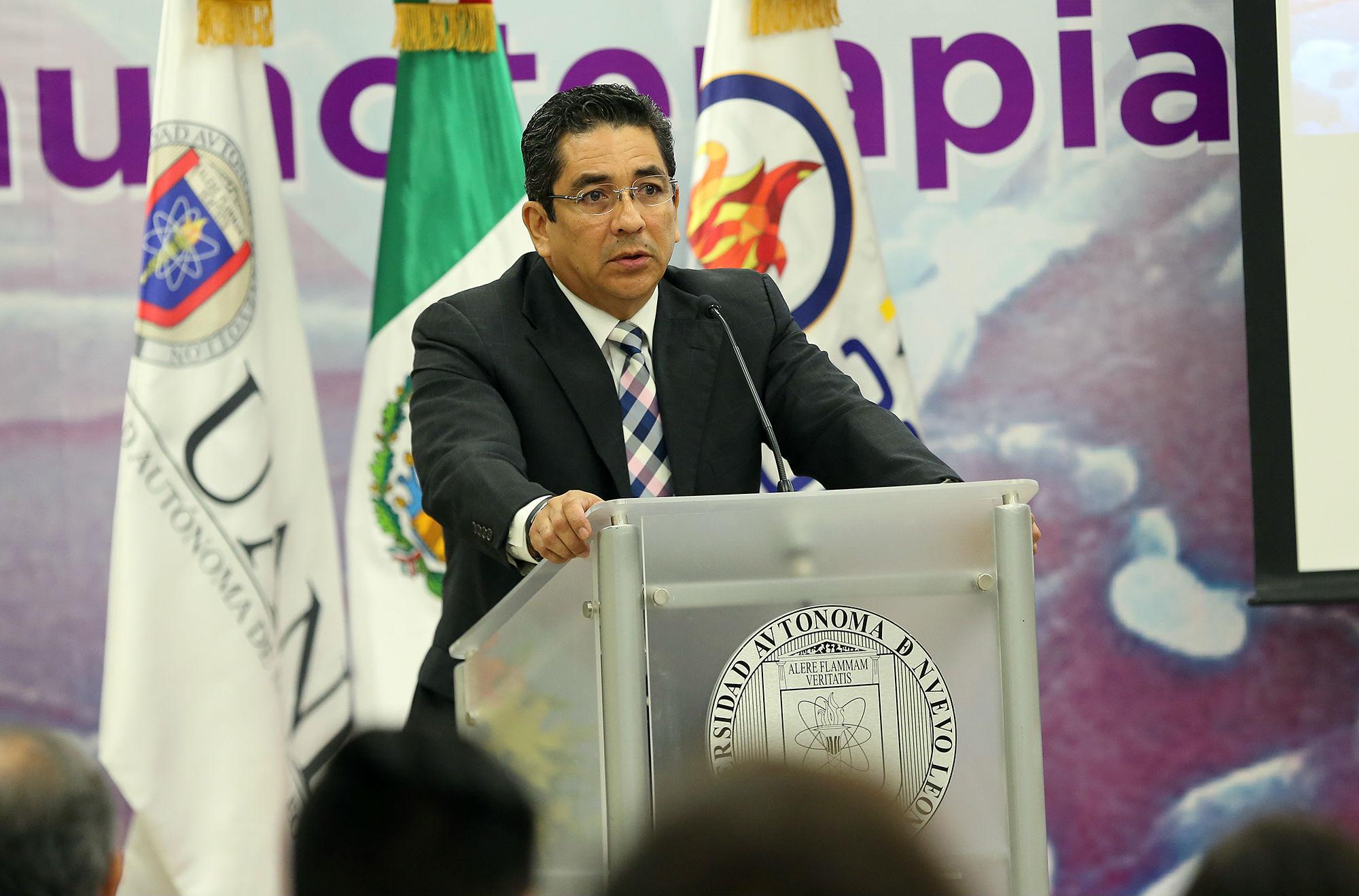 Mensaje del director de la Facultad de Ciencias Biológicas, Dr. Antonio Guzmán Velasco