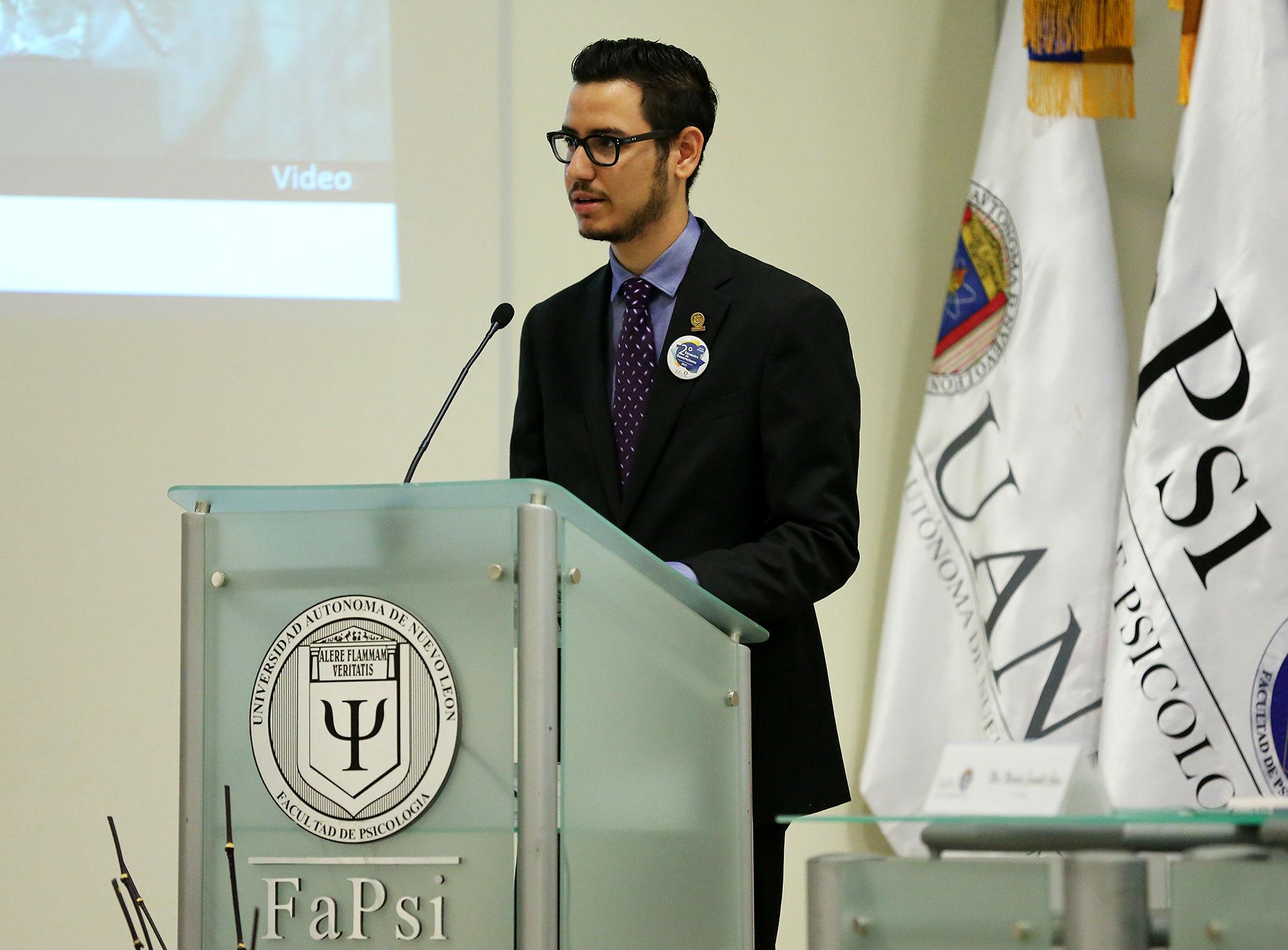 El presidente de la mesa directiva estudiantil de la Facultad de Psicología dio un mensaje