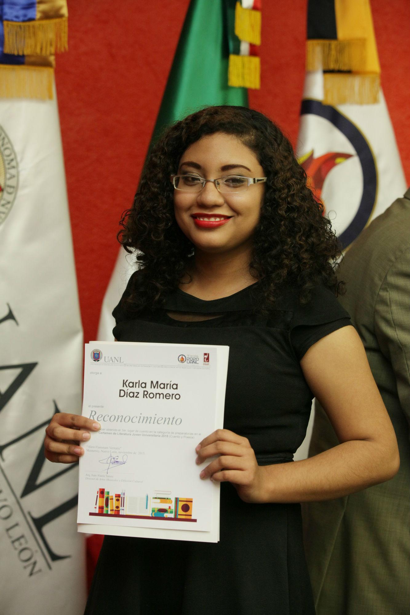Karla Díaz, ganadora del primer lugar en Cuento categoría Prepas