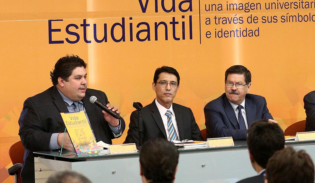 Celso Garza Acuña, director de Publicaciones UANL