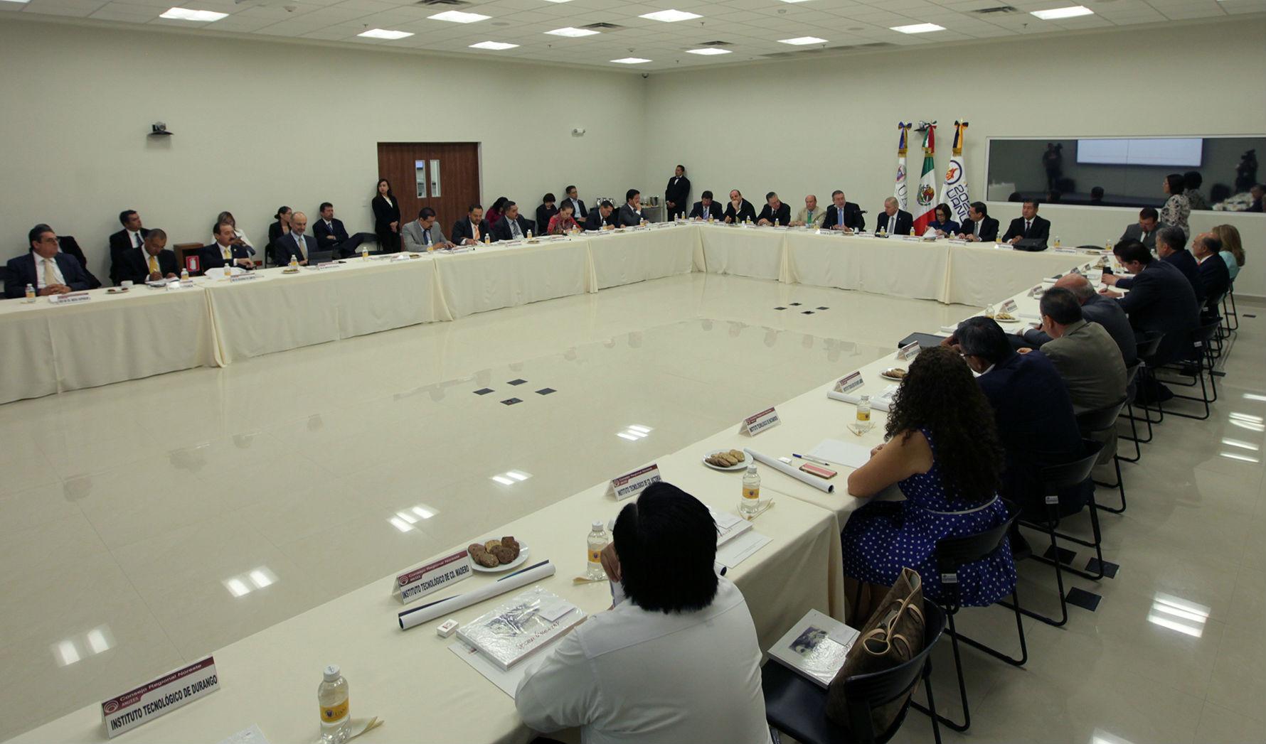 La sesión fue llevada a cabo en el Centro de Internacionalización de la UANL