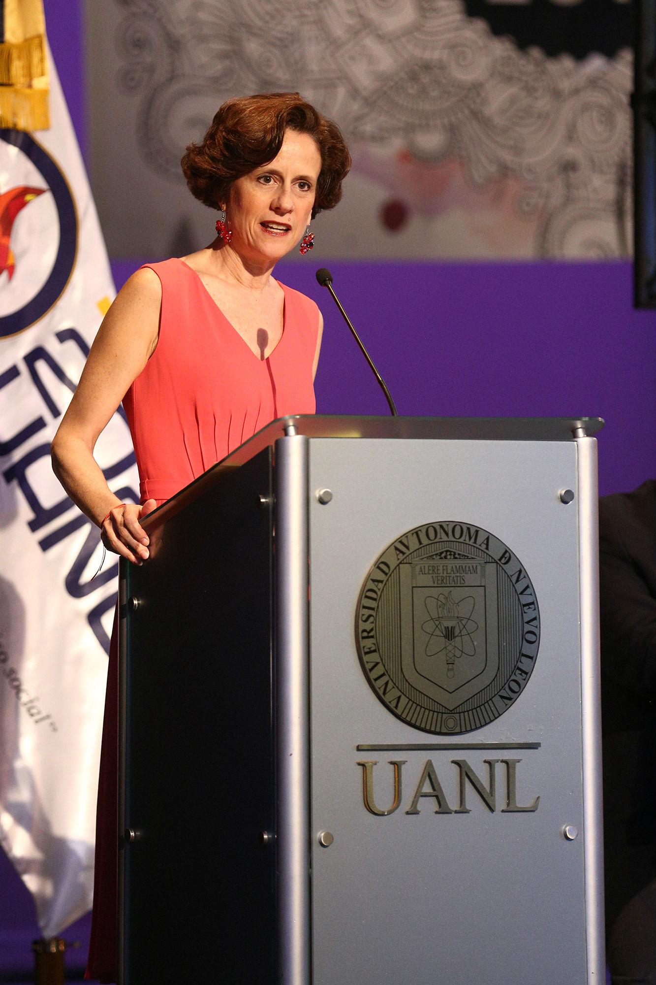La conducción del evento estuvo a cargo de la periodista Denise Dresser