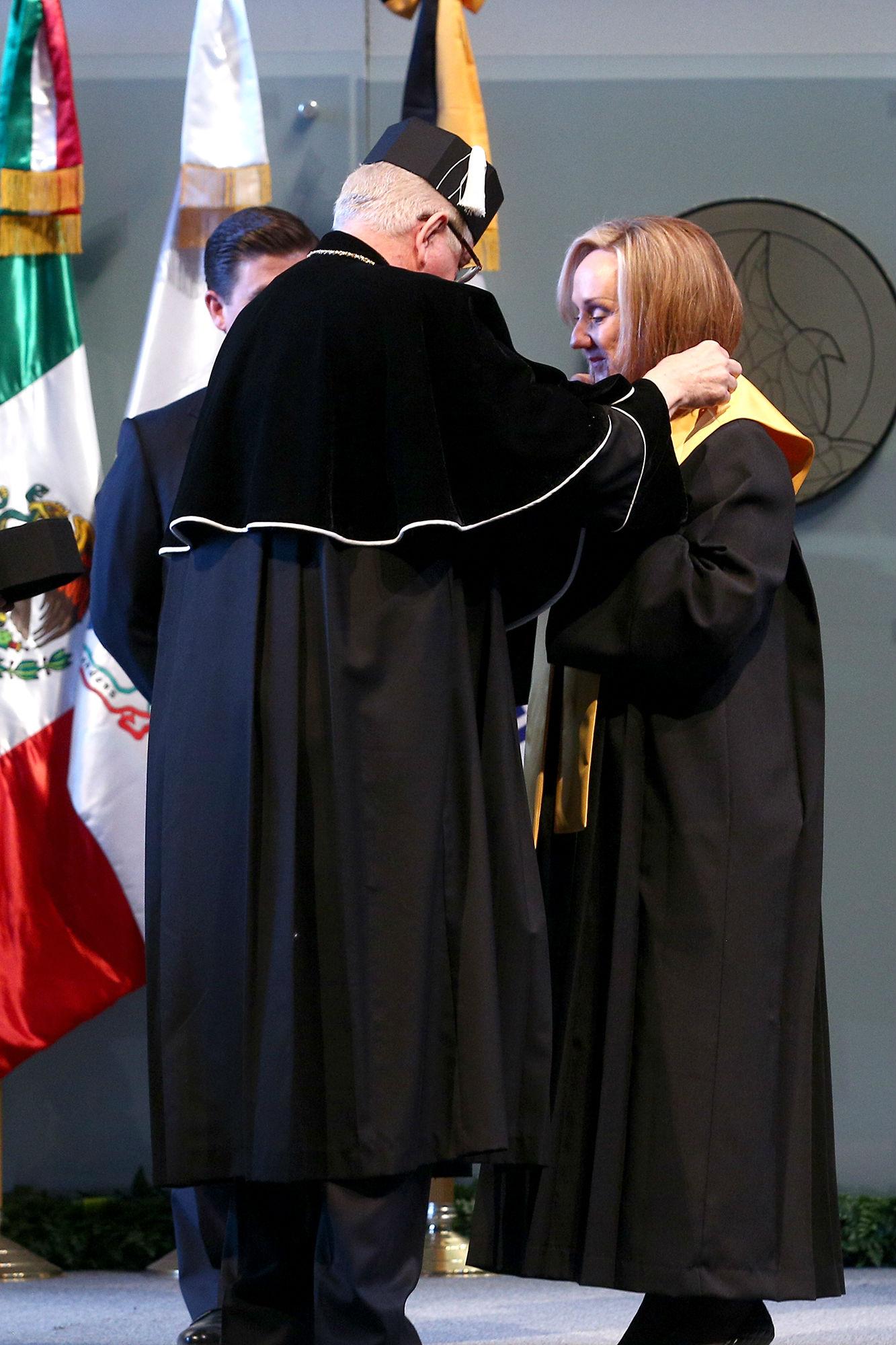 Entrega de Medalla Alfonso Reyes