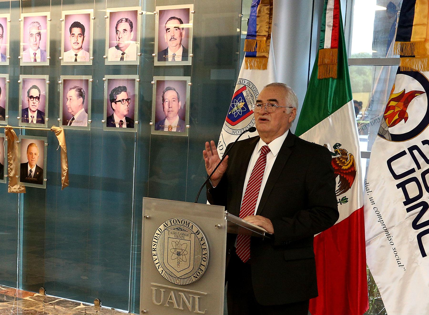 El ex Presidente de la H. Junta de Gobierno, Juan Francisco Garza Tamez, dio un mensaje