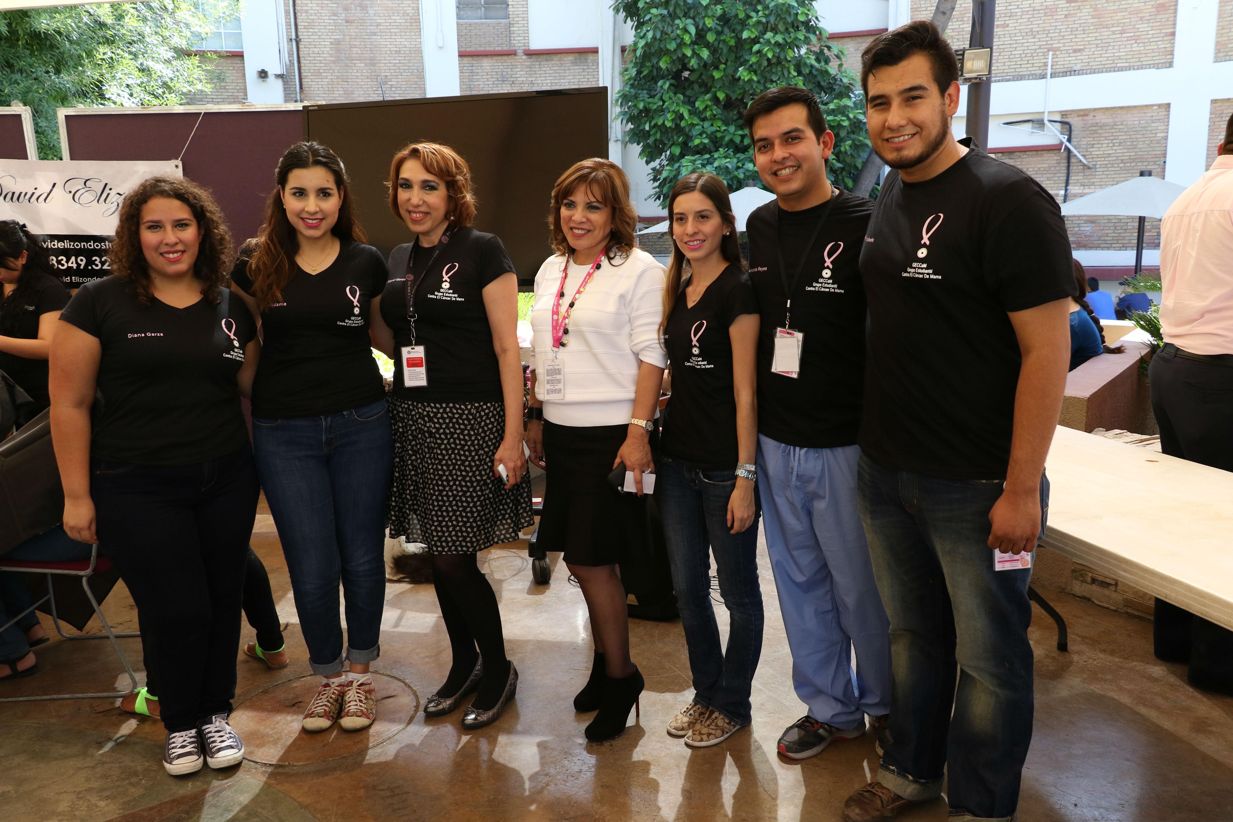 Organizadores del evento, junto a la Dra. Raquel Garza y Dra. Oralia Barboza