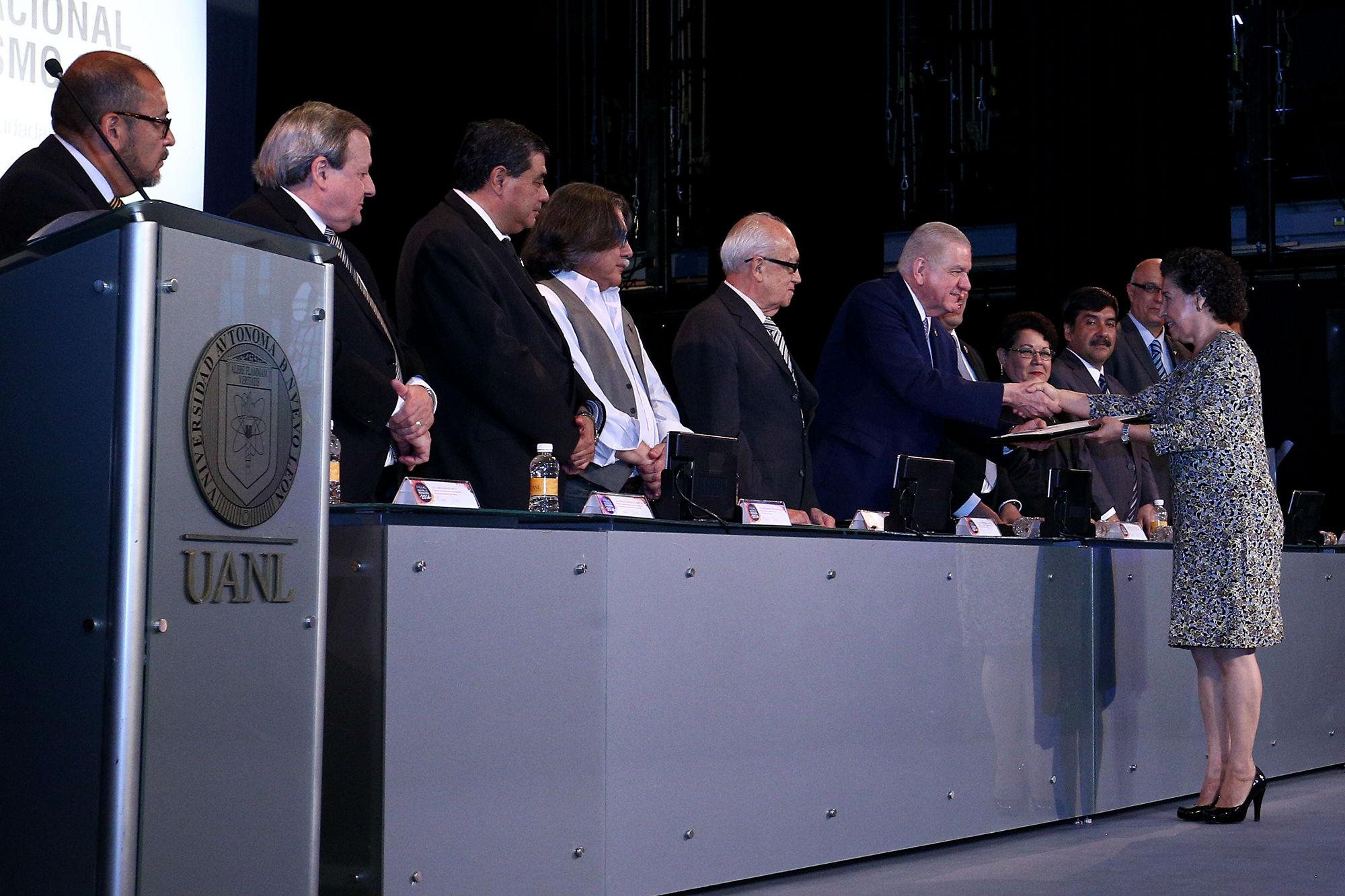 Se entregaron reconocimientos a los miembros del jurado