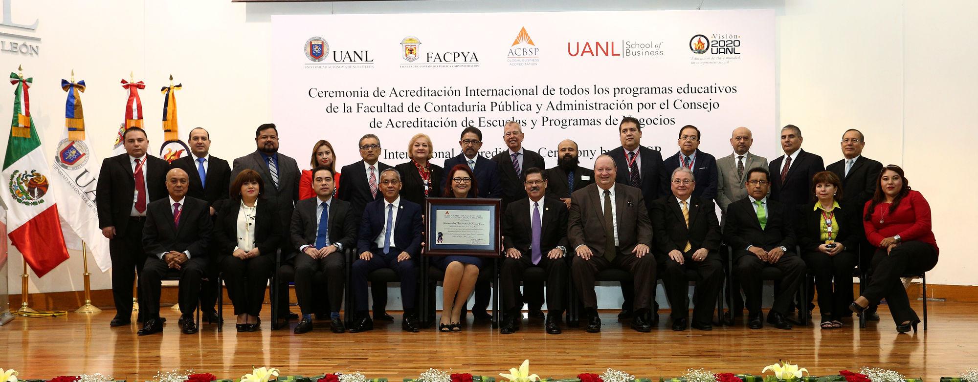 El grupo de la FACPyA que lideró los procesos de acreditación