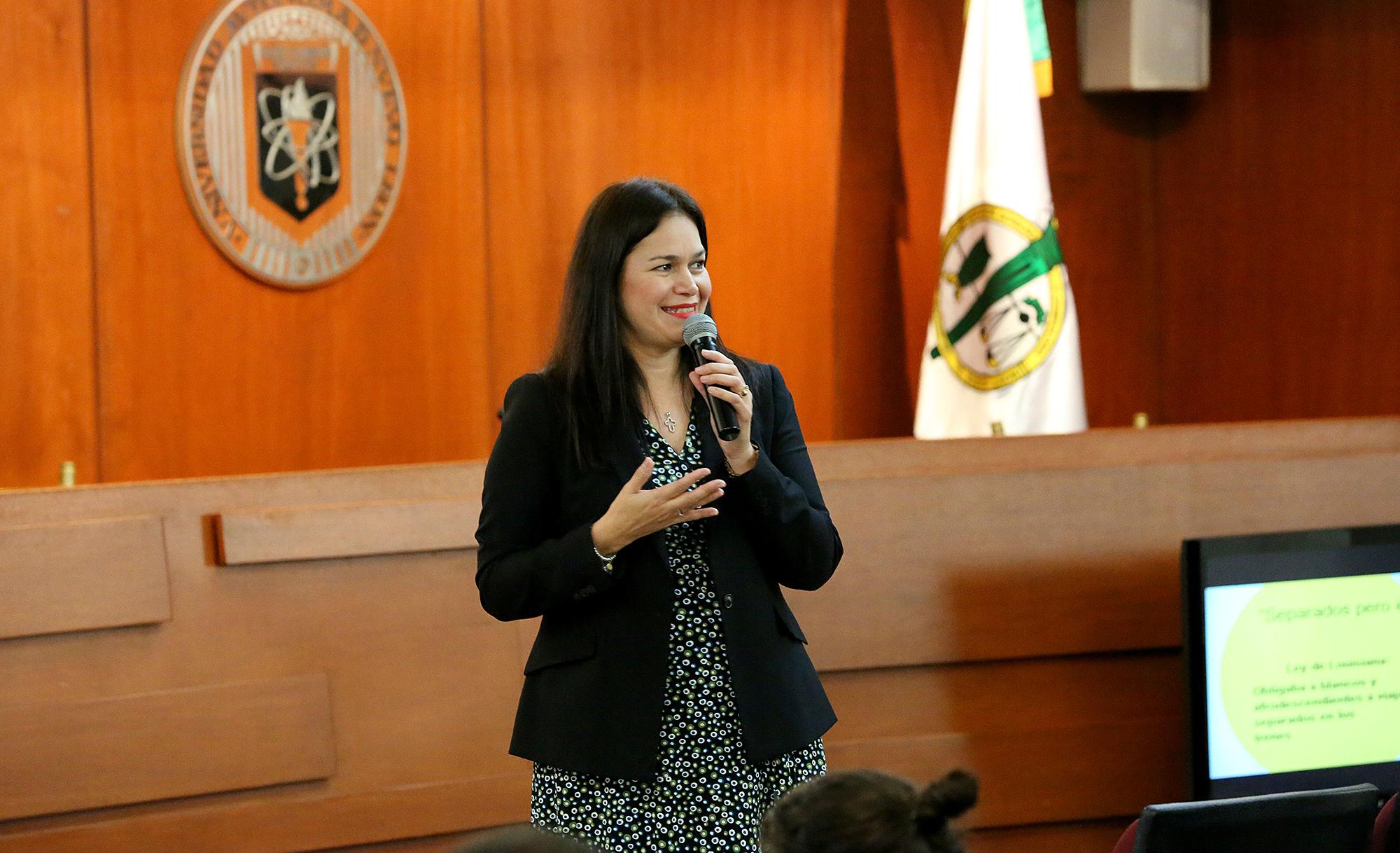 Conferencia de la Lic. Xóchitl Loredo Salazar